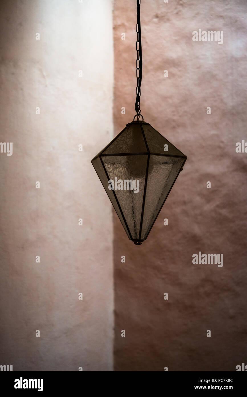 de techo de Allendela en un San lámpara edificio Miguel de UVpqzLGjSM