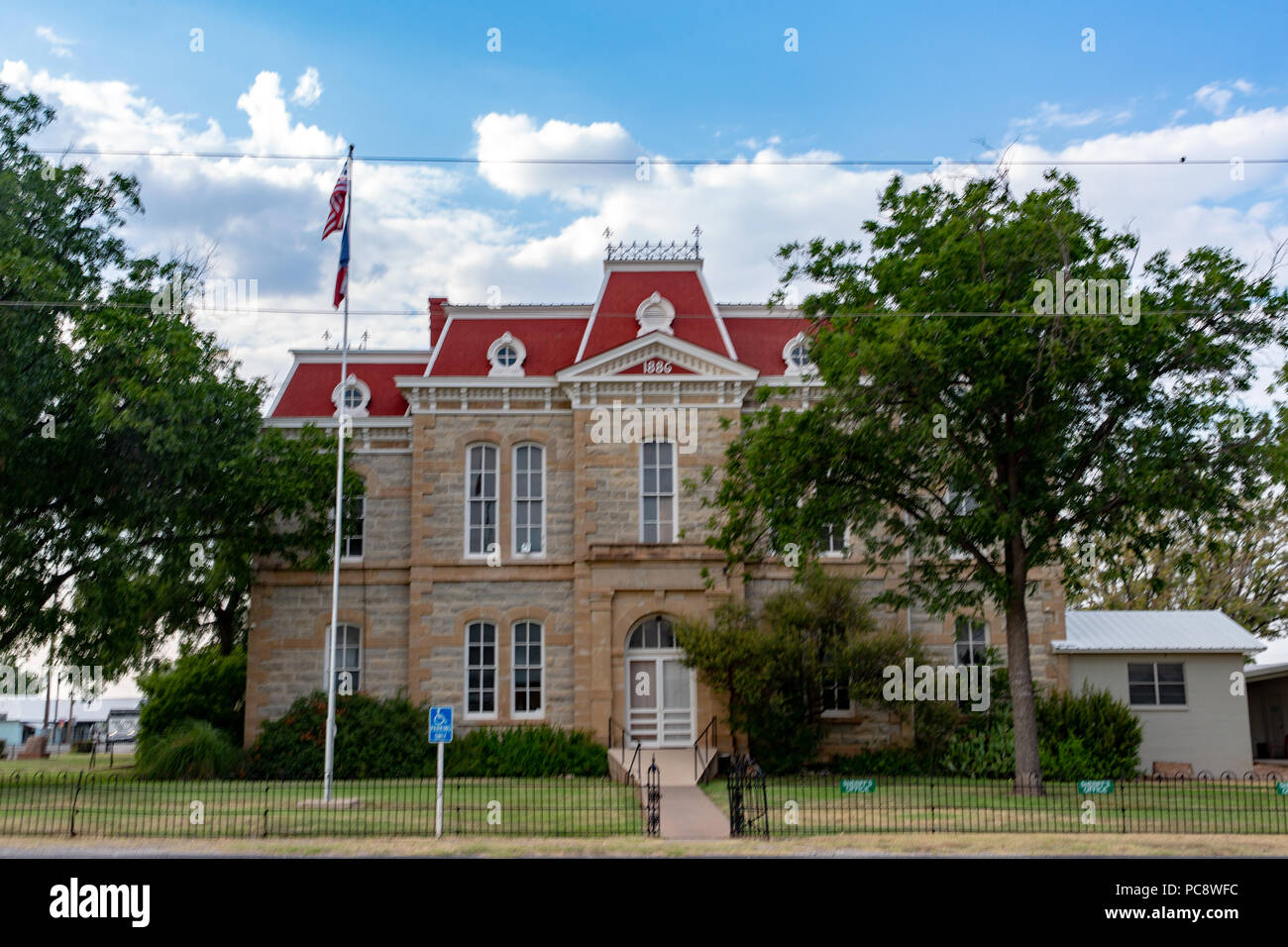 El histórico 1886 Concho County Courthouse ubicado en Paint Rock, Texas Imagen De Stock
