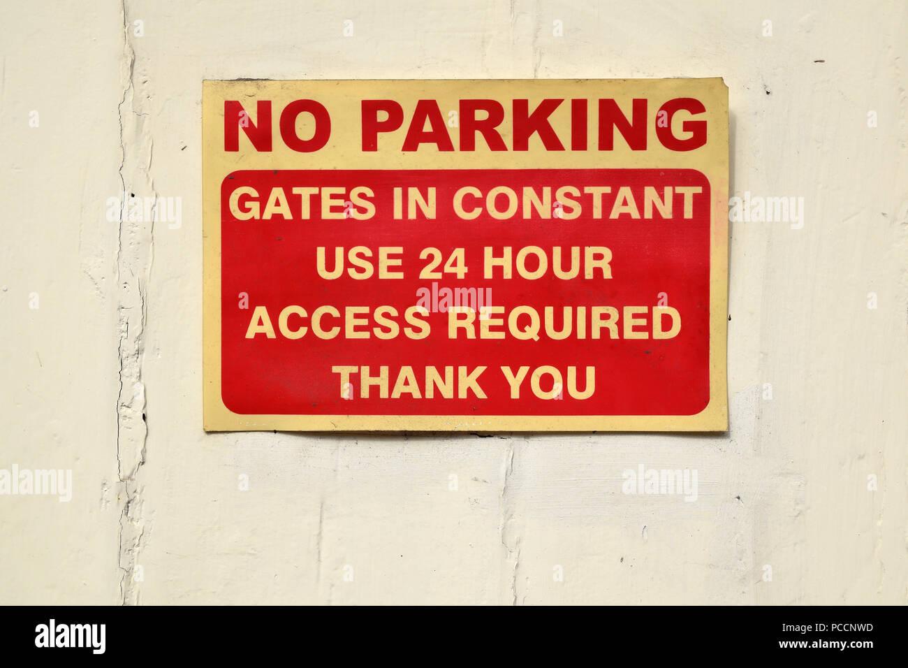 No hay aparcamiento privado entrada no obstaculizar en uso constante gracias firmar