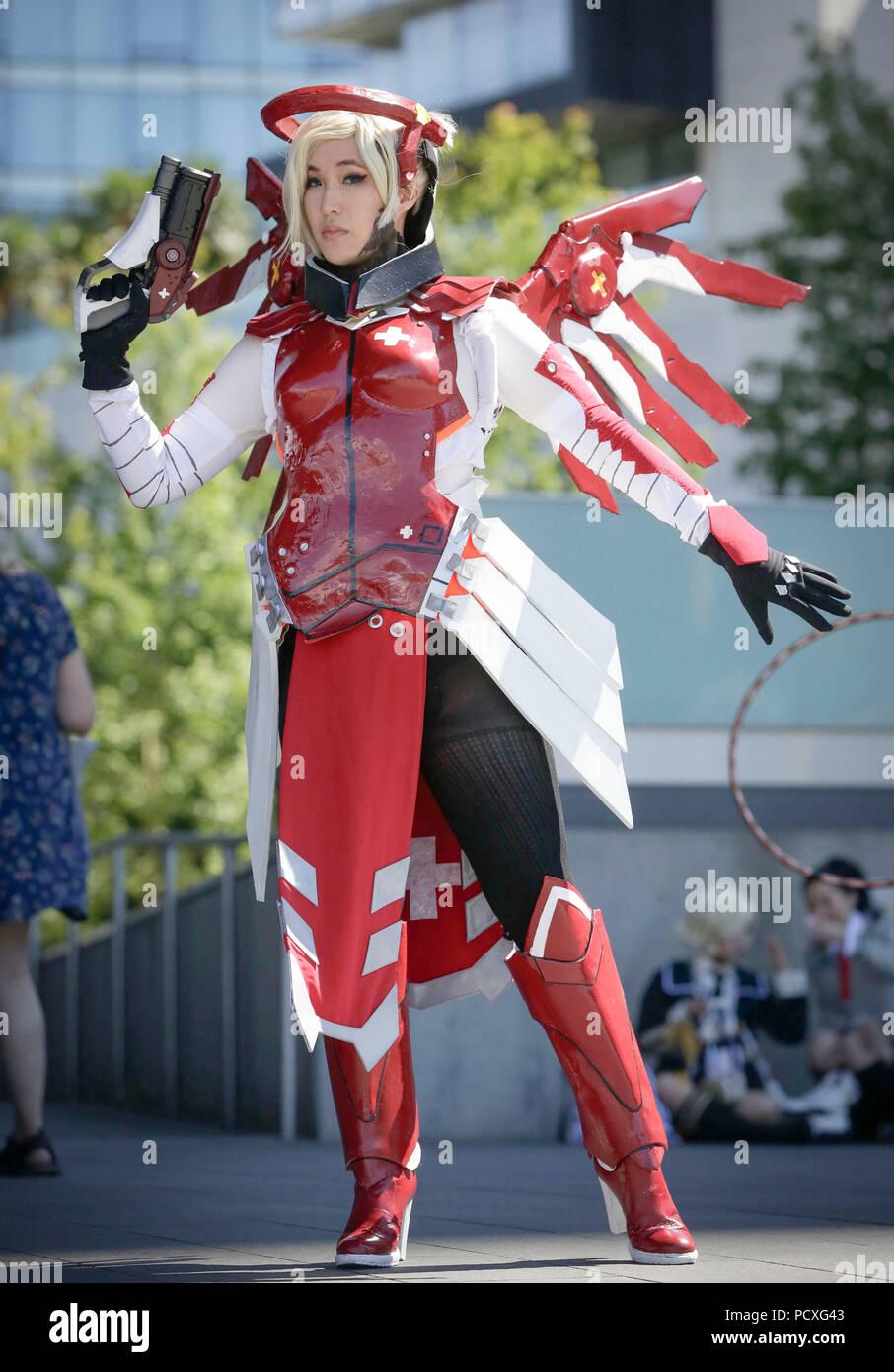 Anime Fans Imágenes De Stock   Anime Fans Fotos De Stock - Alamy e7e83cabb68e