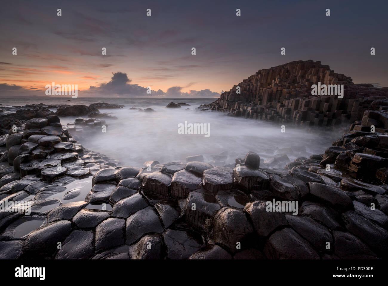 Calzada del Gigante, Condado de Antrim, Irlanda del Norte, REINO UNIDO Foto de stock