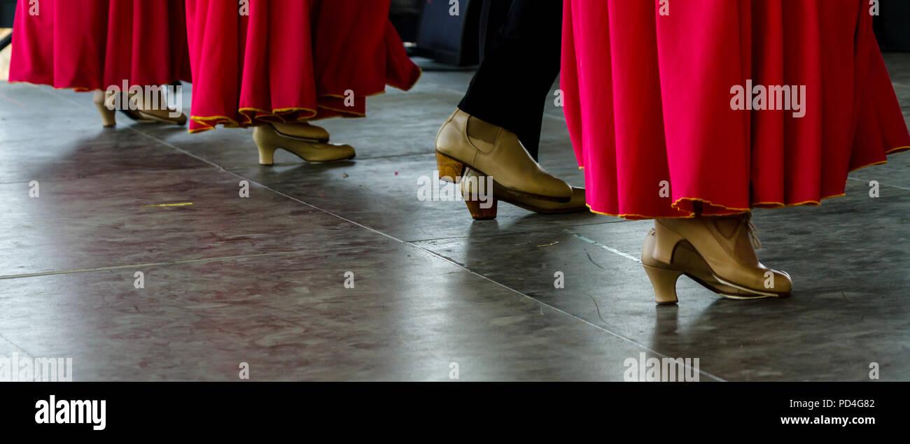 532912ddba5 Plano Primer Zapatos Los Típico Tradicionales Calzado Un De OwgqdwRH