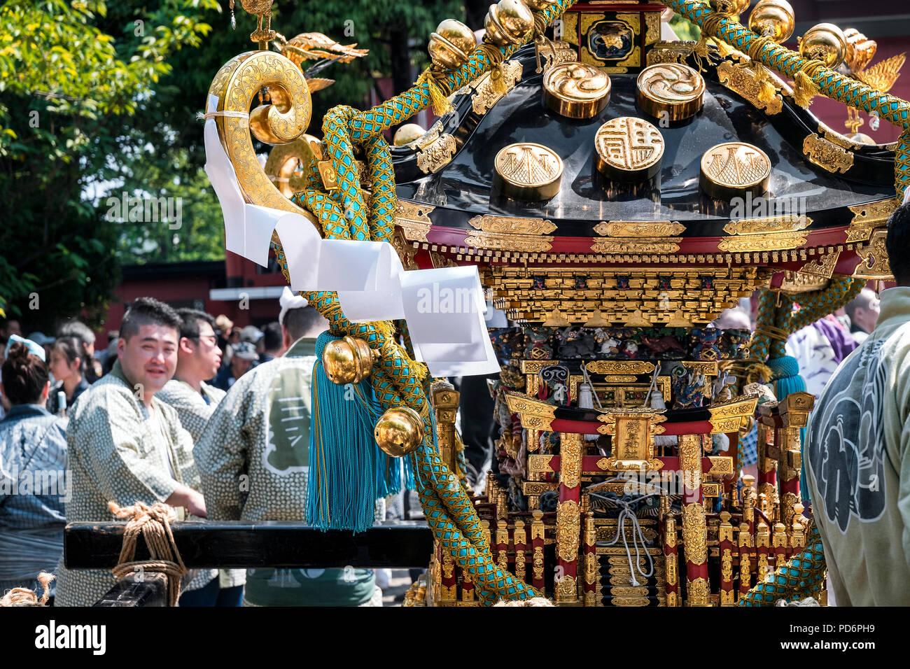 La isla de Japón, Honshu, Kanto, Tokio, el Sanja Matsuri. Imagen De Stock