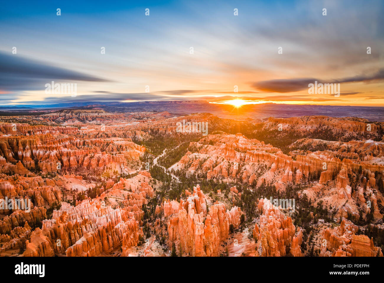 Bryce Canyon National Park, Utah, EE.UU. al amanecer. Imagen De Stock