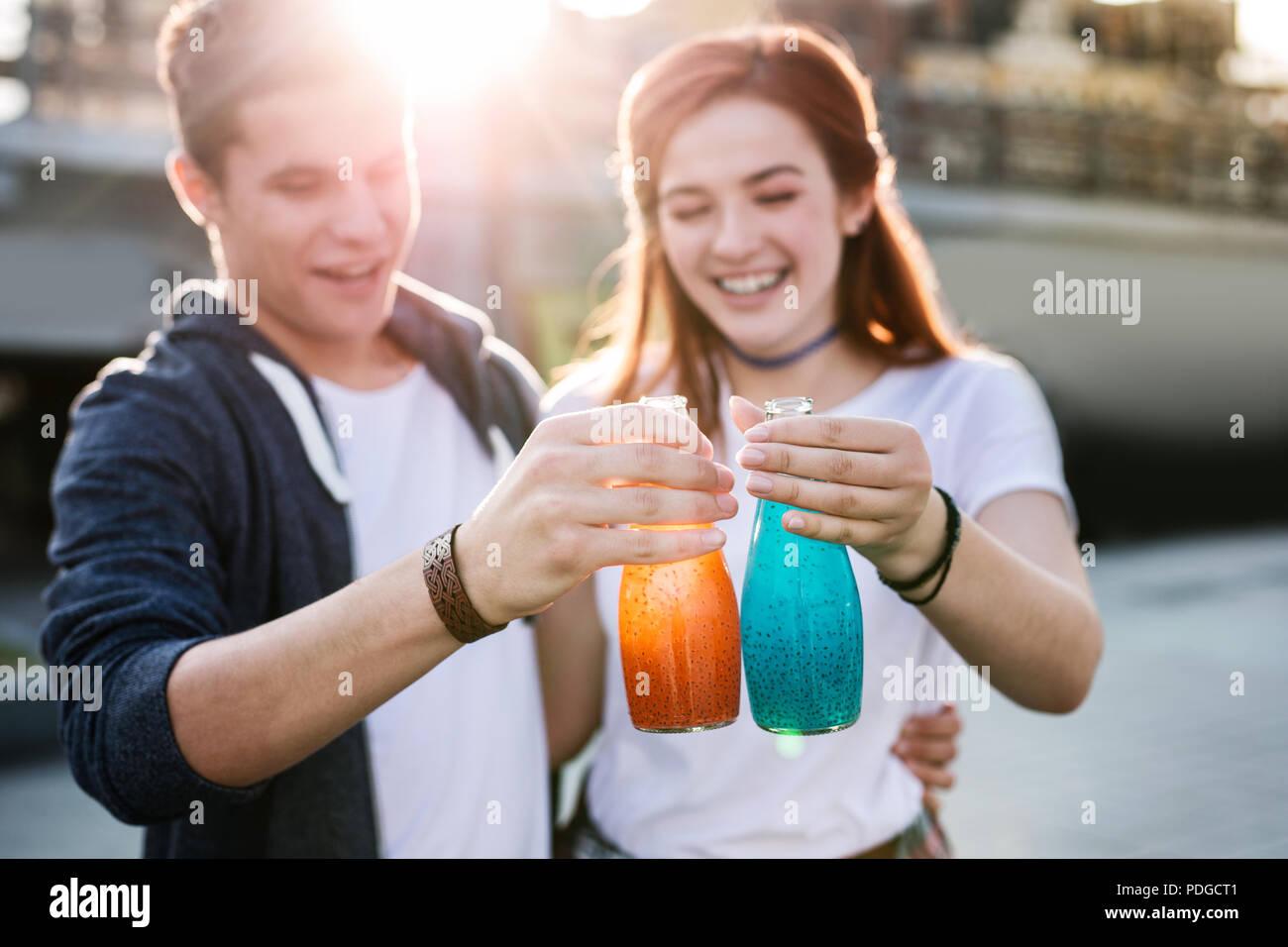 El enfoque selectivo de sabrosas bebidas tan delicioso. Imagen De Stock