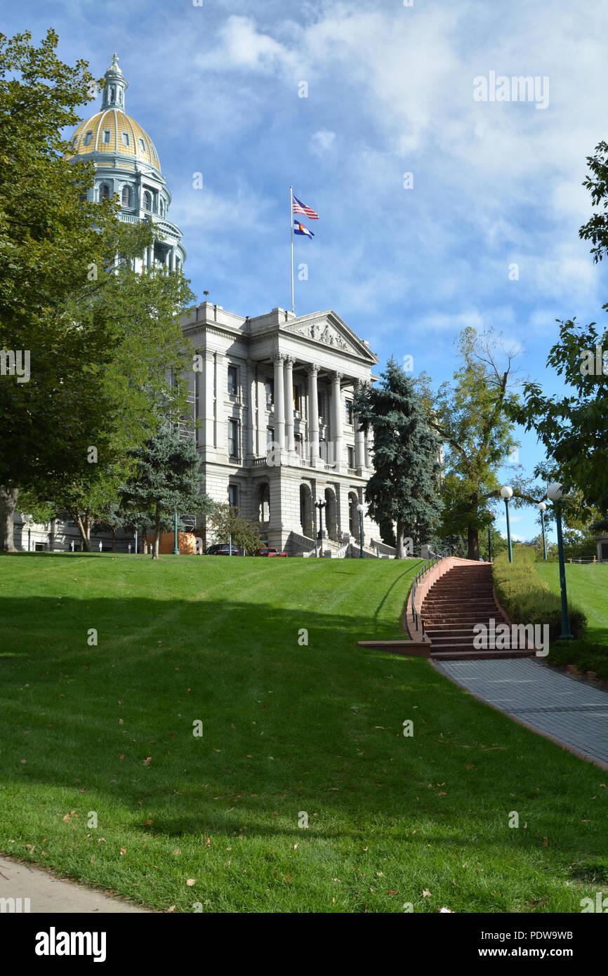 El edificio del Capitolio del Estado de Colorado con motivos en primer plano. Derechos exclusivos Managed stock photo Foto de stock