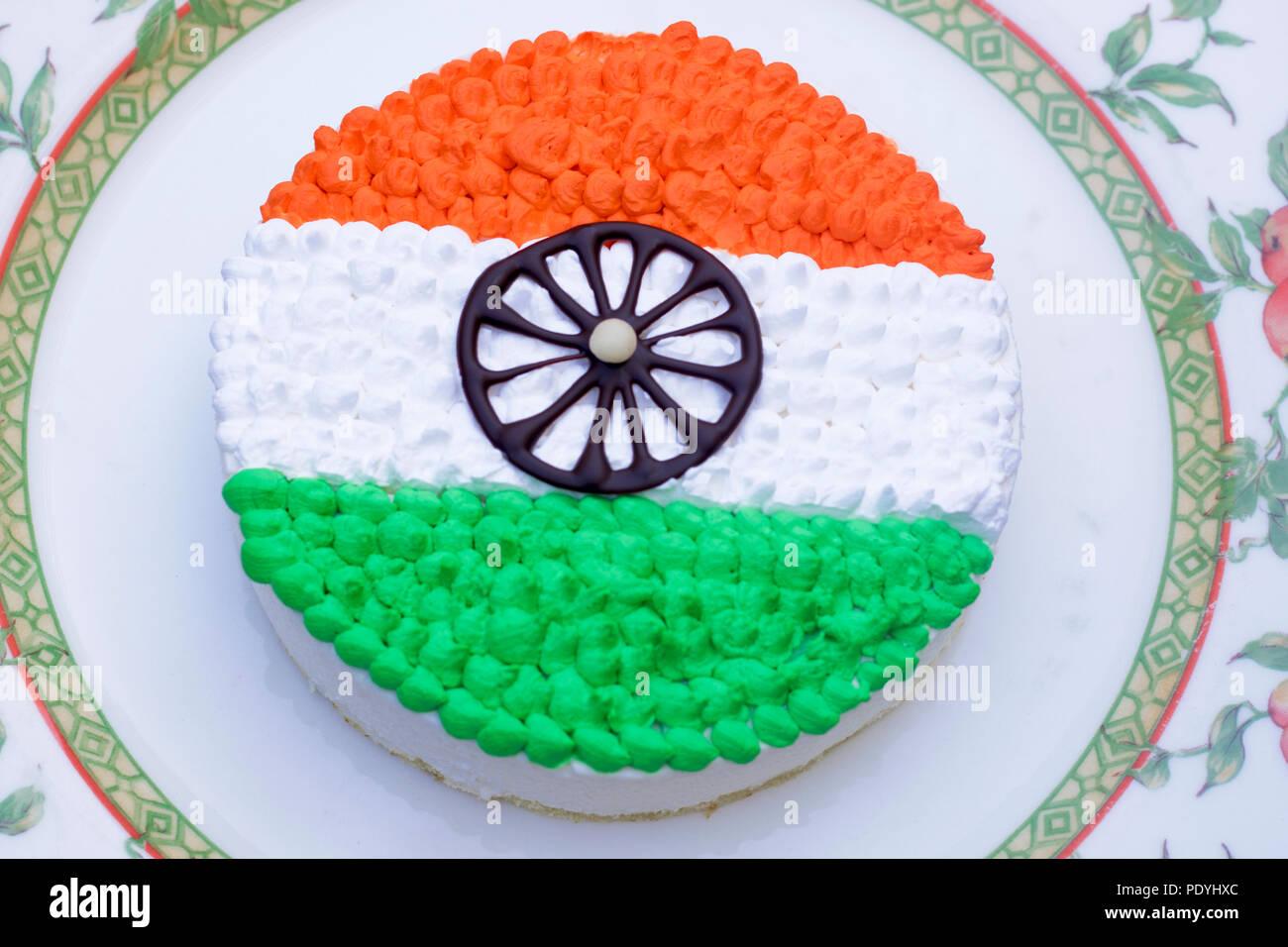 Tri color pastel en la placa cerca - especial del día de la Independencia india Imagen De Stock