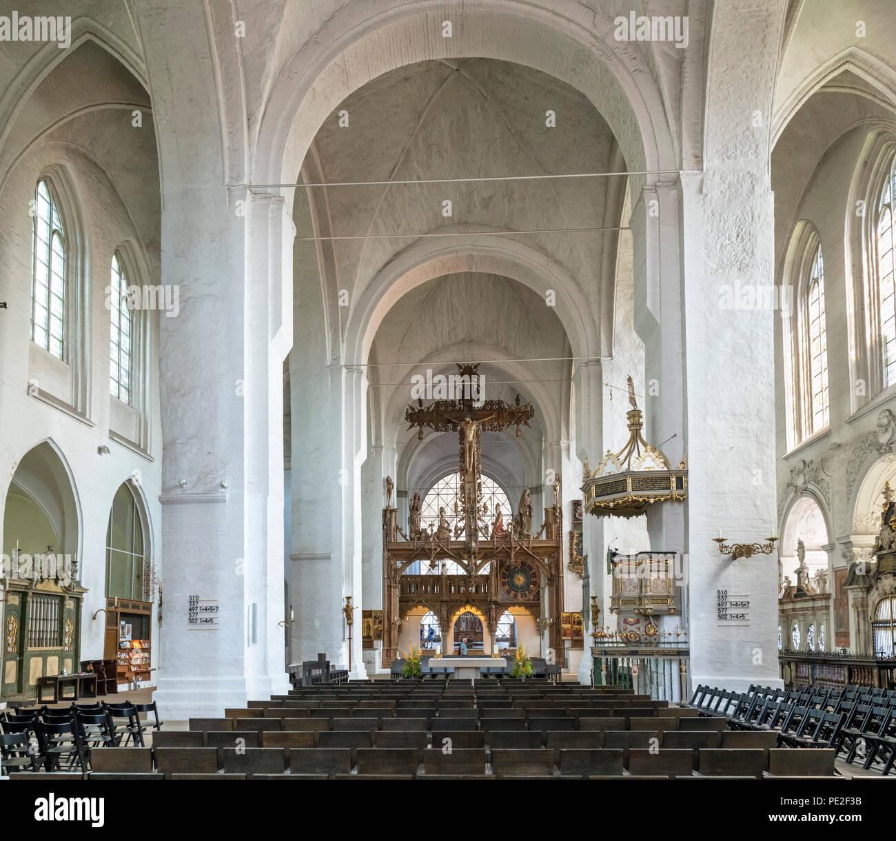 Interior de Lübeck Lübeck Dom (catedral), Lubeck, Schleswig-Holstein, Alemania Imagen De Stock
