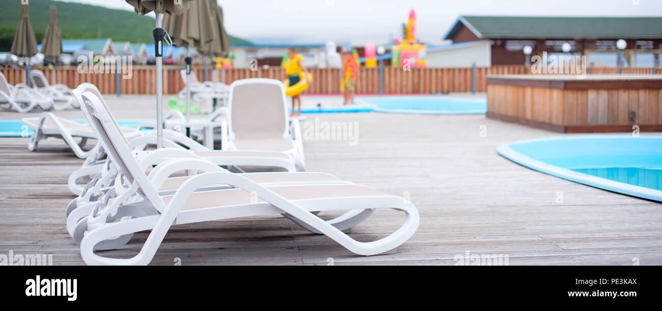 Banner Deck De Madera Playa Mar Ocean Resort Tumbona