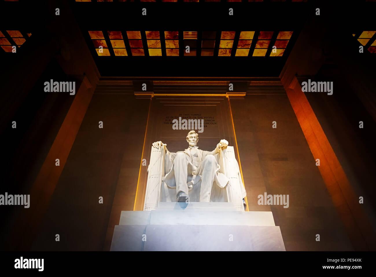 Por la noche el Lincoln Memorial en Washington DC. Imagen De Stock
