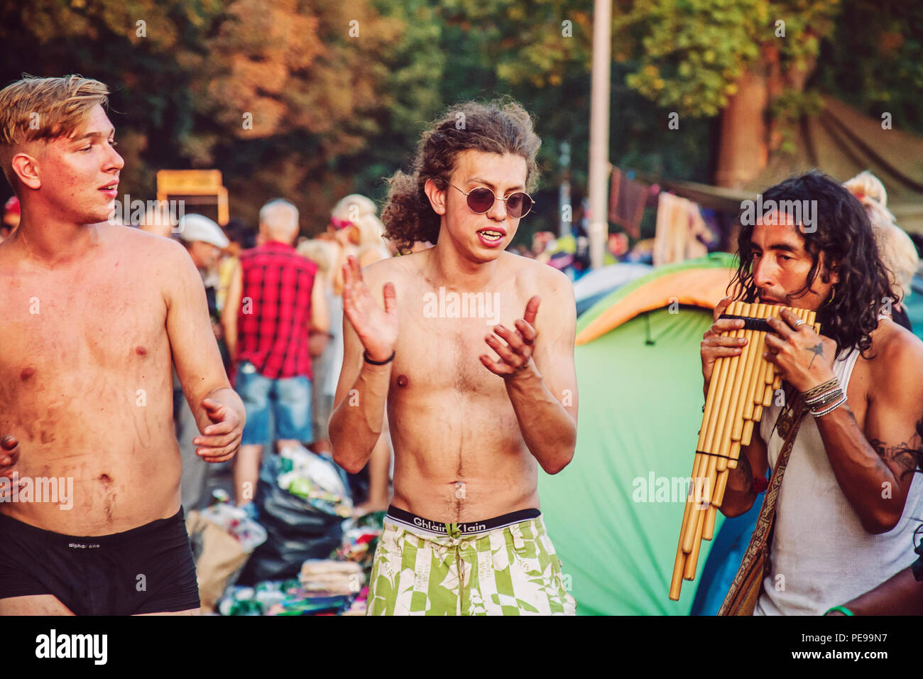 Kostrzyn nad Odra, Polonia, 4 de agosto de 2018, Woodstock Polonia Rock festival visitantes Imagen De Stock