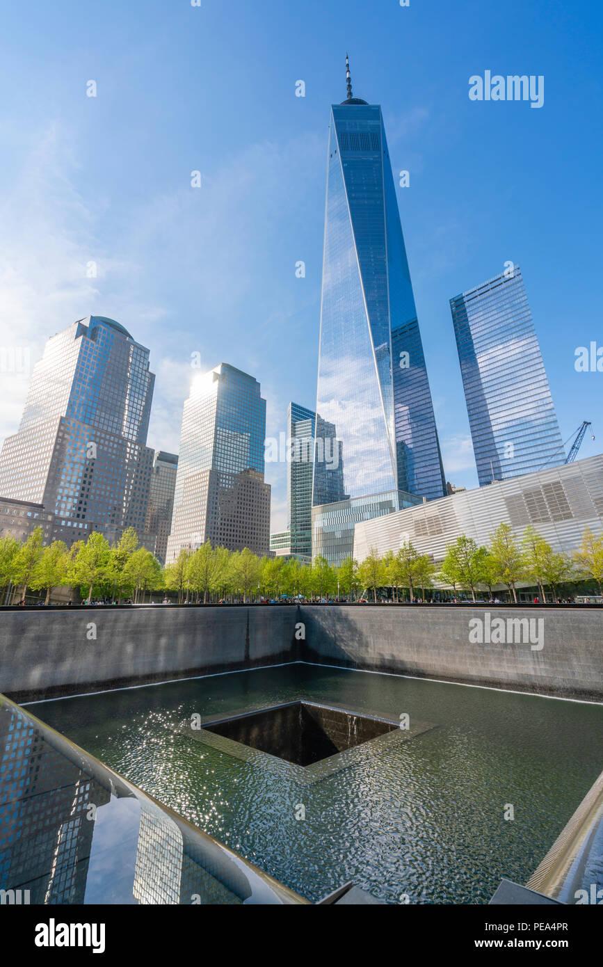 El One World Trade Center y el Memorial 911 Imagen De Stock