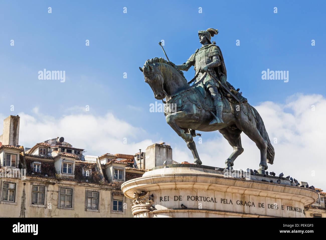 Lisboa, Portugal. Estatua de Dom João I en la Praça da Figueira. Foto de stock
