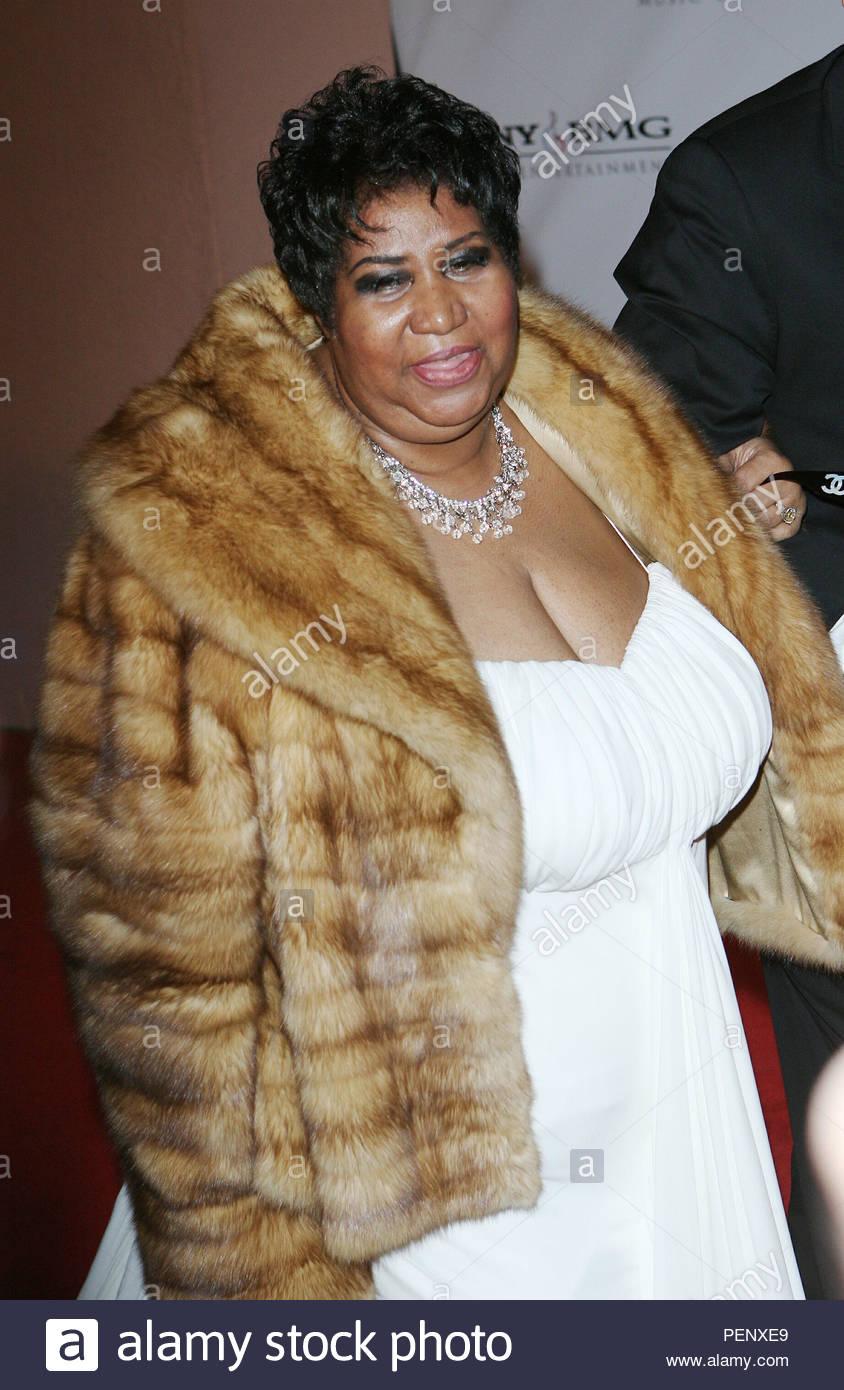 Foto de archivo de fecha 10/2/2008 de Aretha Franklin llega a la Sony BMG parte Grammy en el Hotel Beverly Hills, Los Ángeles. Cantante de Soul Franklin ha muerto en su casa en Detroit, su publicista ha dicho. Foto de stock