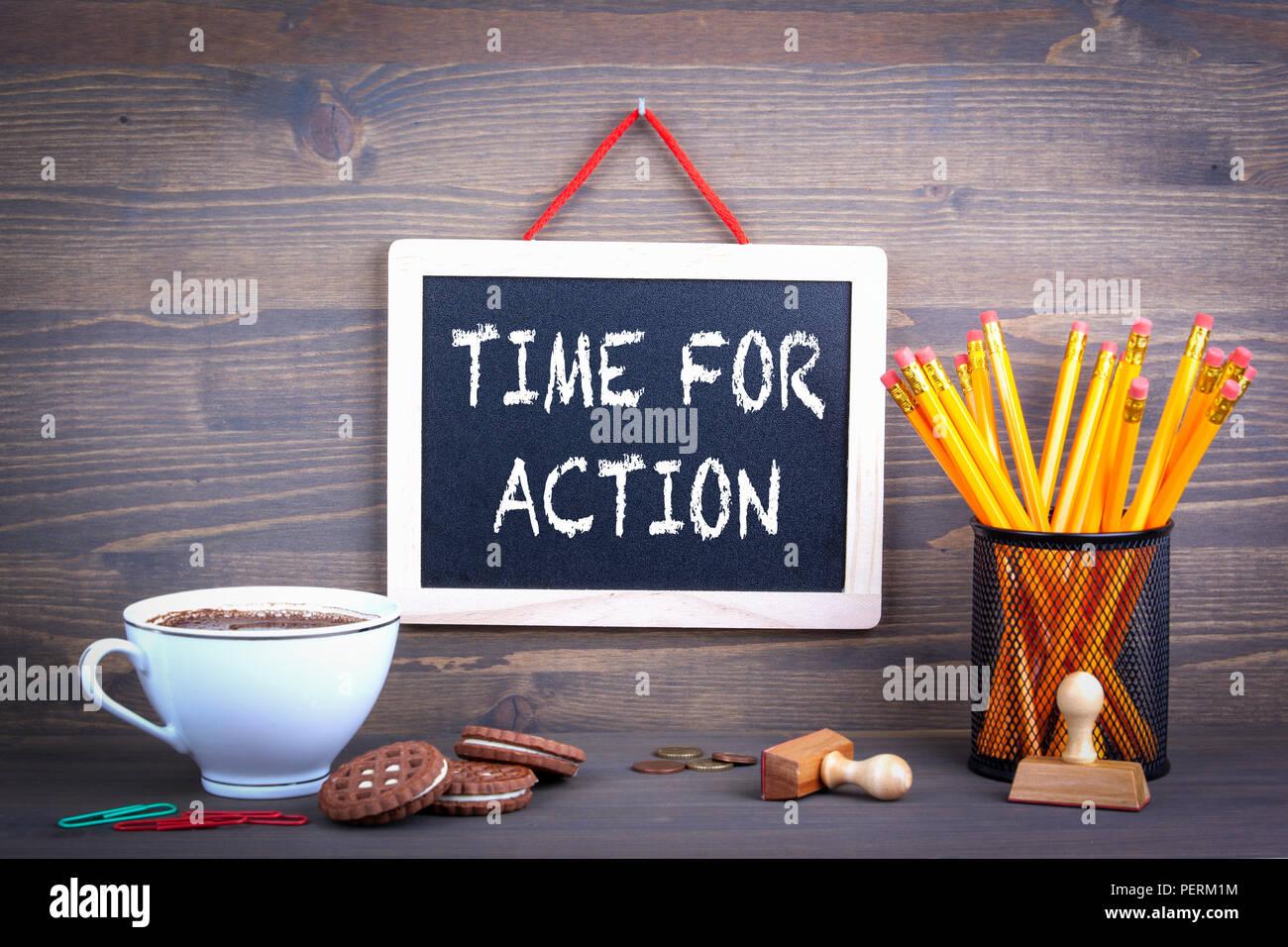 Tiempo para la acción. Concepto empresarial y de marketing Imagen De Stock