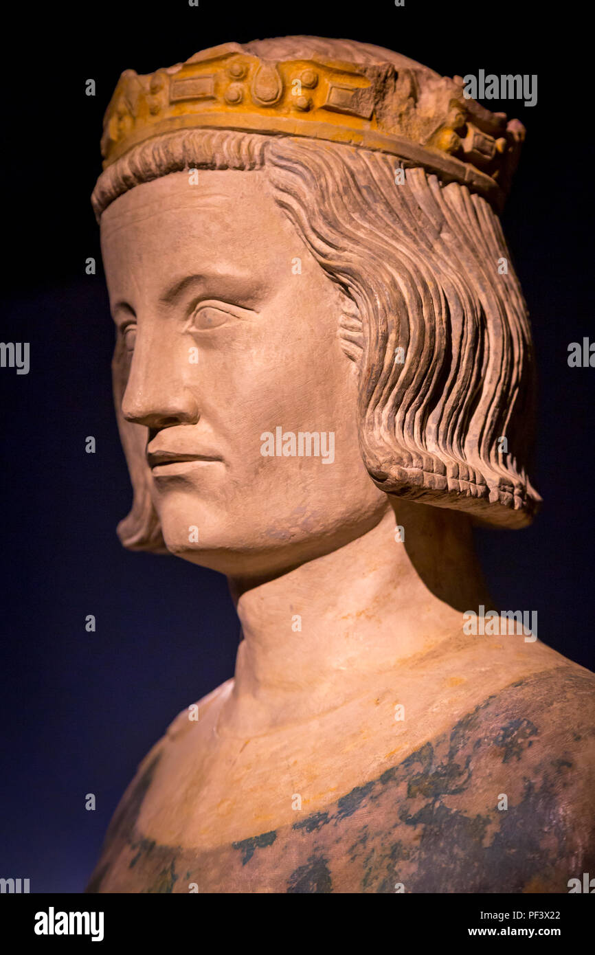 Busto del rey Luis IX (1214-1270 AD) - AKA St Louis, un reformador rey, en la pantalla dentro de la Conciergerie, en París, Francia Foto de stock