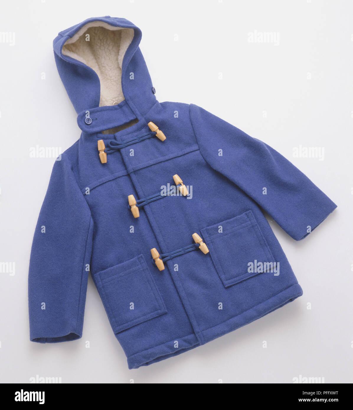 Un azul duffle coat. Imagen De Stock