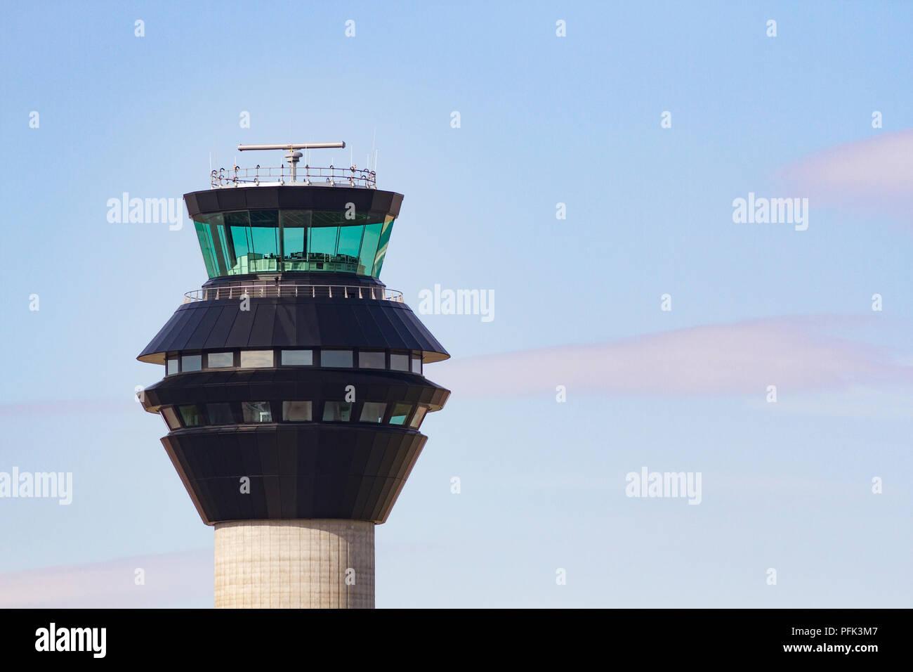 Torre de Control del Aeropuerto de Manchester Foto de stock
