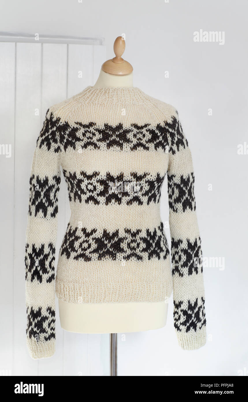 Striped Knitted Jumper Imágenes De Stock & Striped Knitted Jumper ...