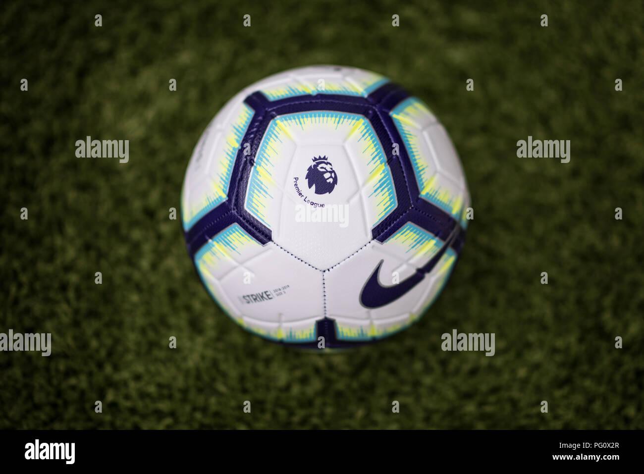 349bcc37a Merlin Nike pelota para la temporada 2018/19 de la Premier League ...