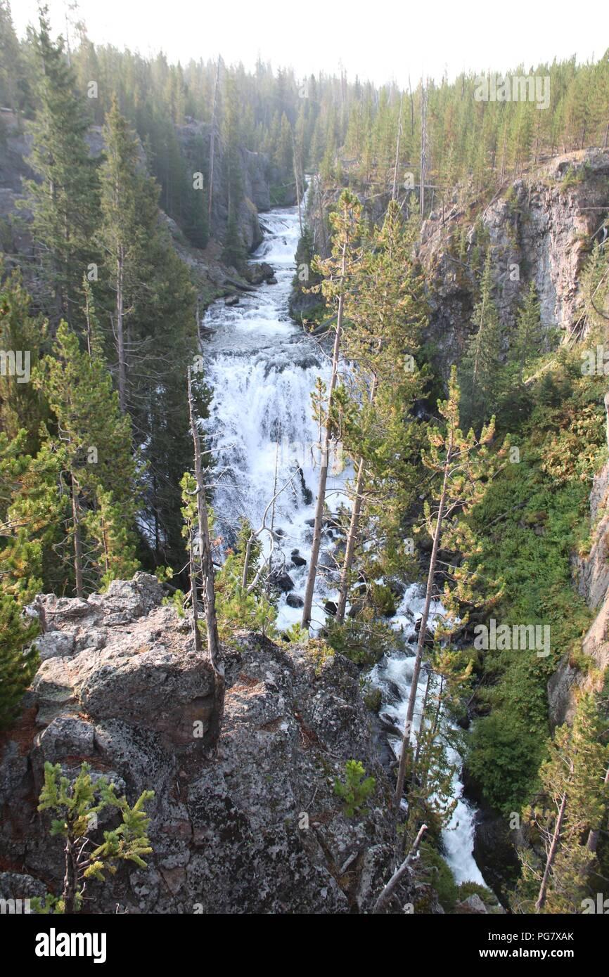 Kepler cascadas en el río Firehole en el Parque Nacional Yellowstone, Wyoming. Imagen De Stock