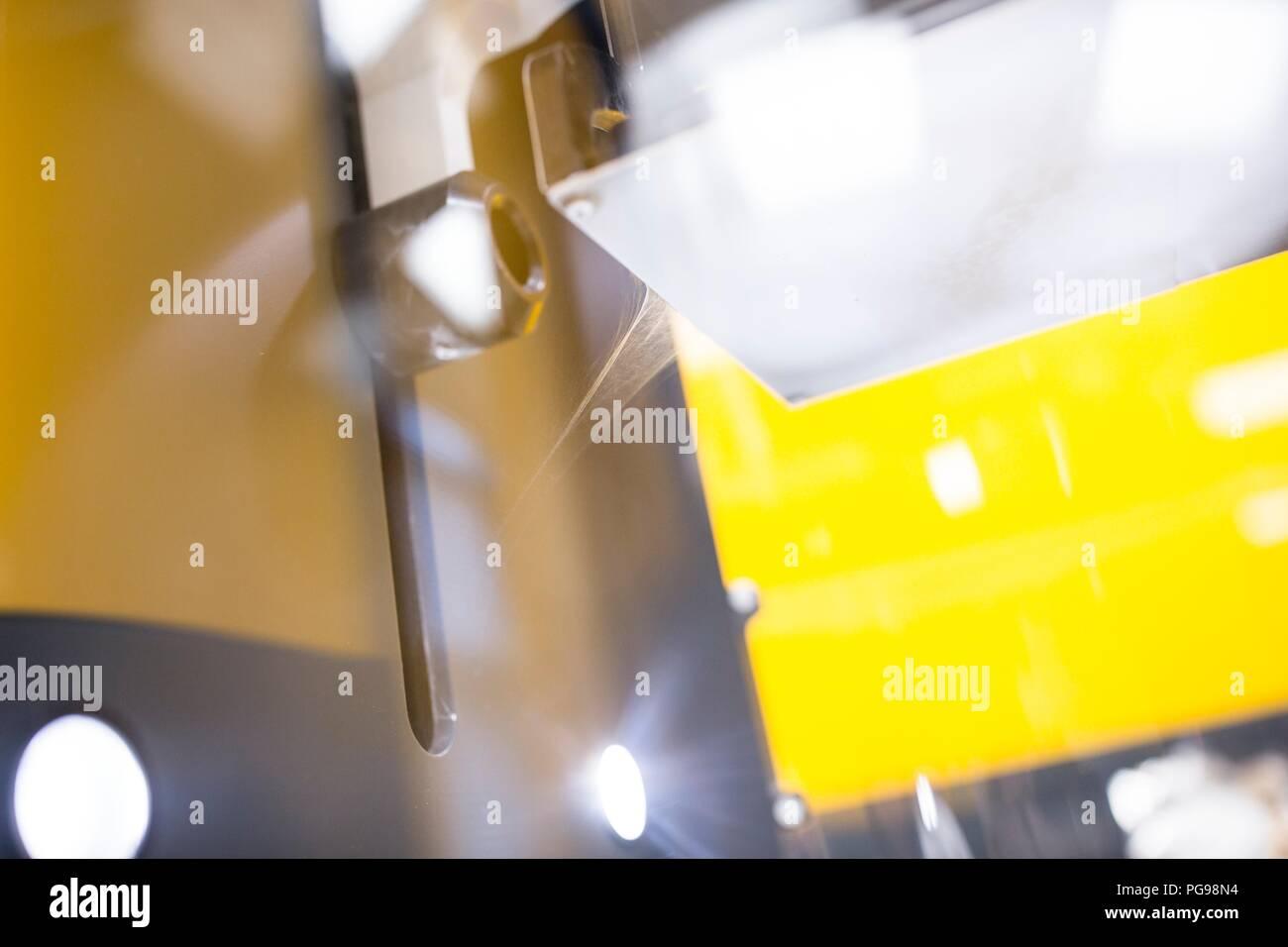 Close-up de nanofibras producidas por una máquina electrospinning. Este laboratorio está utilizando nanofibras para fabricar materiales biodegradables para tejidos de los andamios. Imagen De Stock
