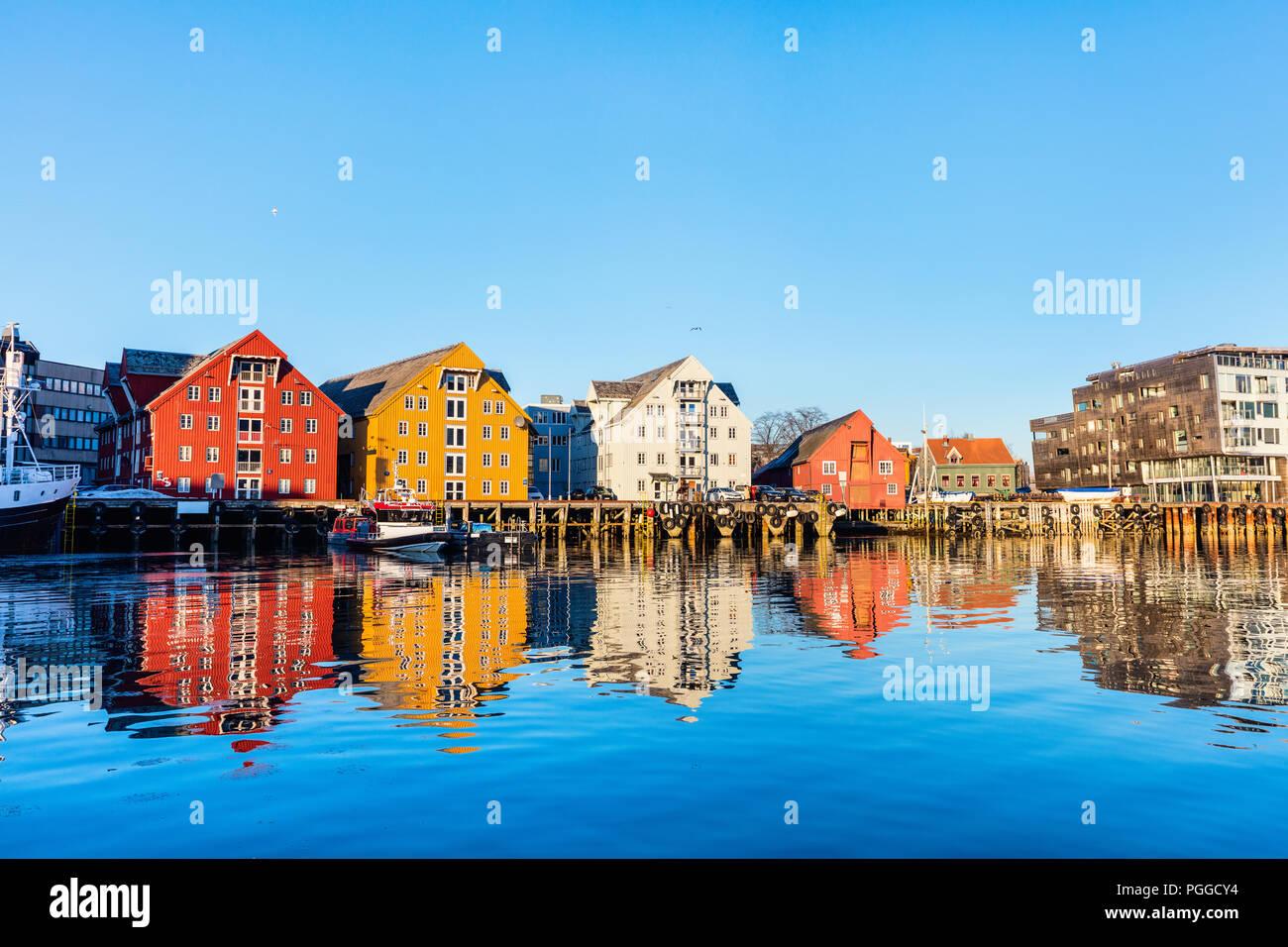 Hermosa ciudad de Tromso, en el norte de Noruega. Foto de stock