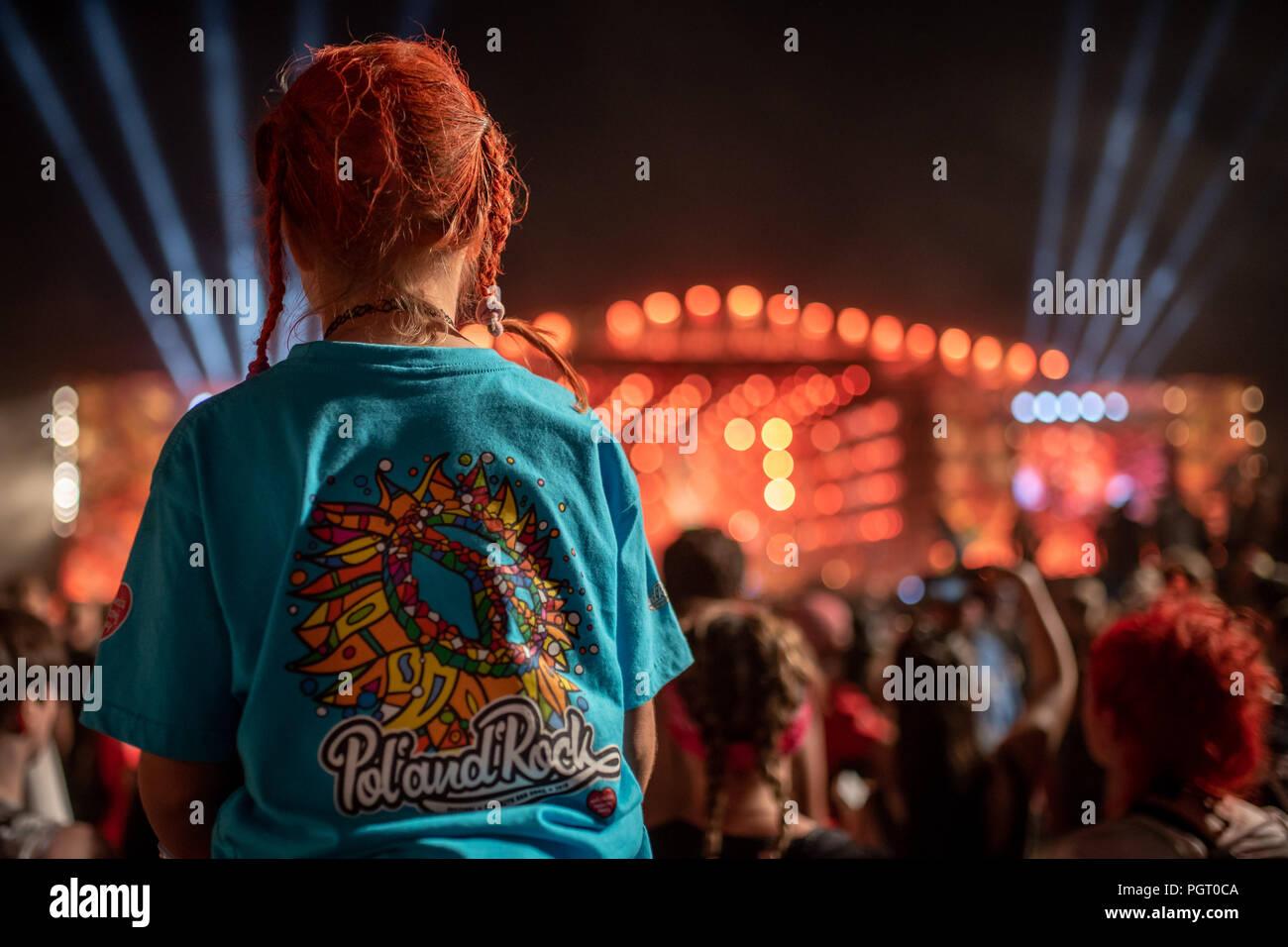 02.08.2018 Kostrzyn Nad Odra 24. Pol'y Festival de Rock'n/z uczestnicy fani fot. P.Dziurman/Reporter Imagen De Stock