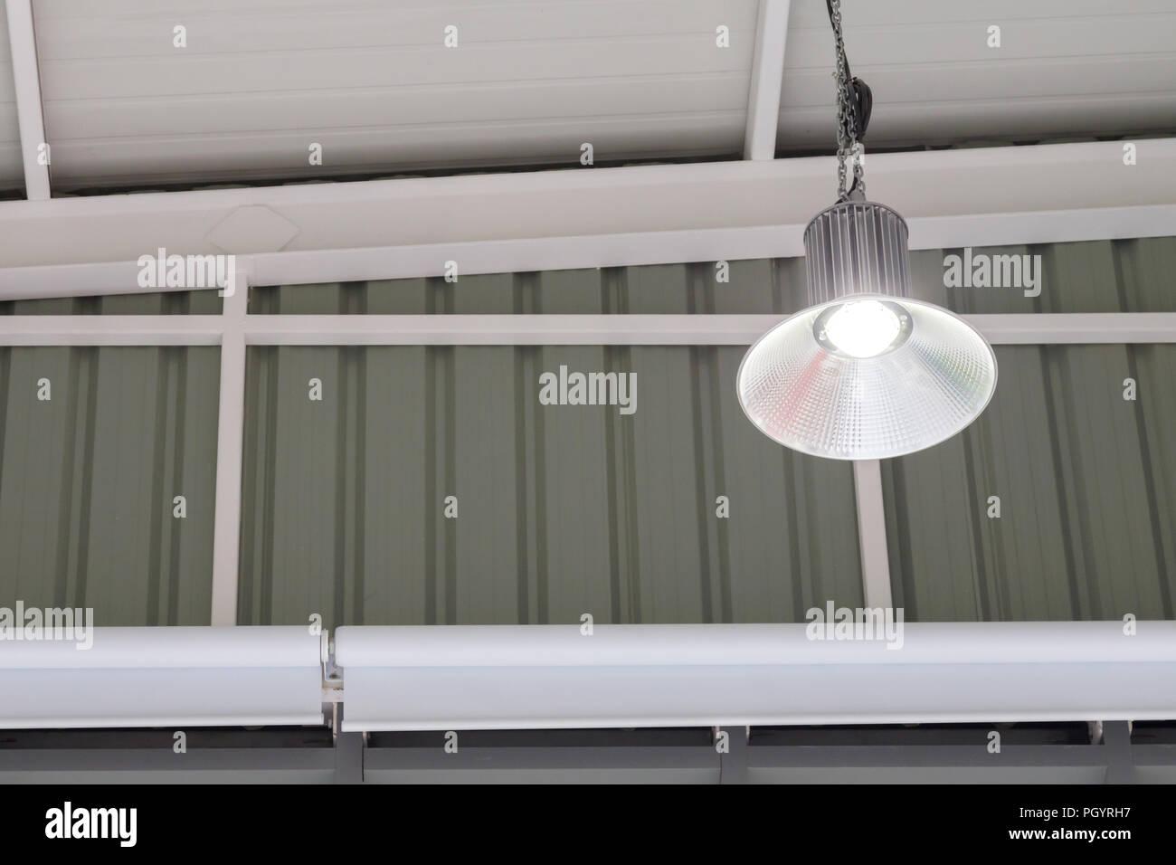 luz de es brillante Bombilla de lámpara en la LED industrial n0XwP8NOk