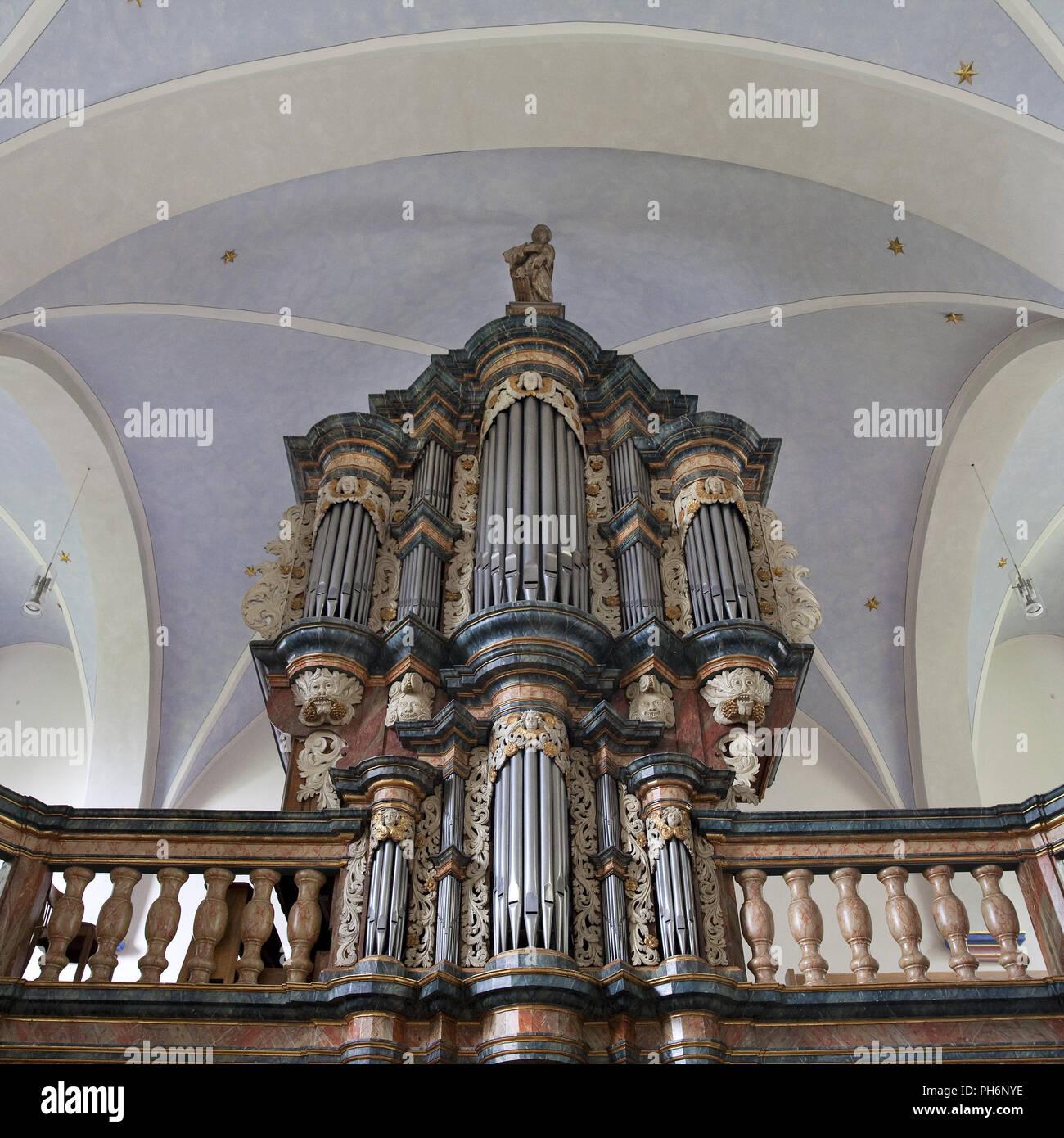 Órgano, St. Pankratuis iglesia, Moehnesee, Alemania Imagen De Stock