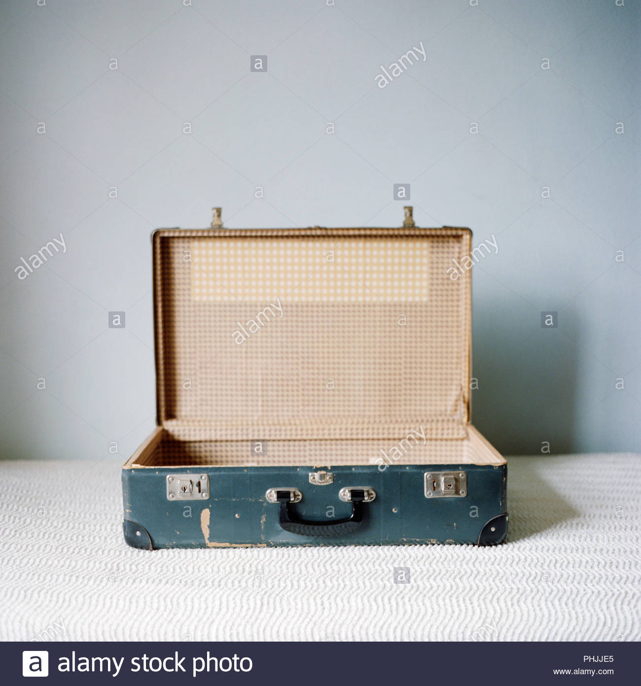 Abrir maleta antiguos Imagen De Stock