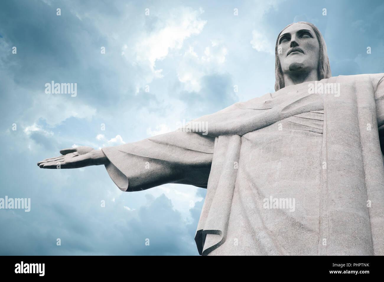 Cristo Redentor (Cristo Redentor) estatua en Río de Janeiro, Brasil Imagen De Stock