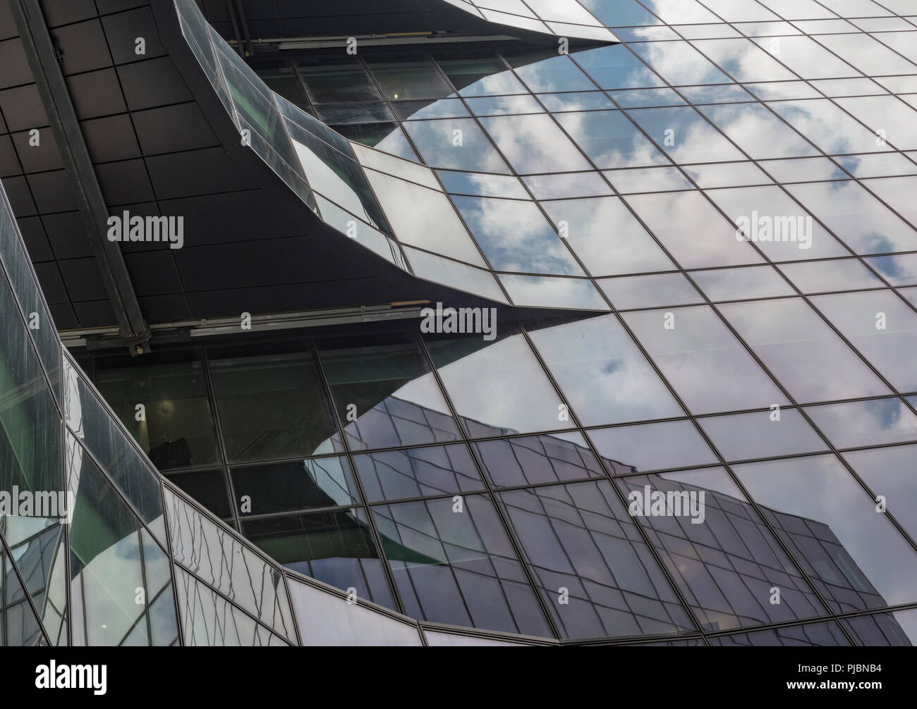 2078eaaacc Modernos edificios de cristal abstracta para oficinas en Londres más lugar  en el centro de Londres