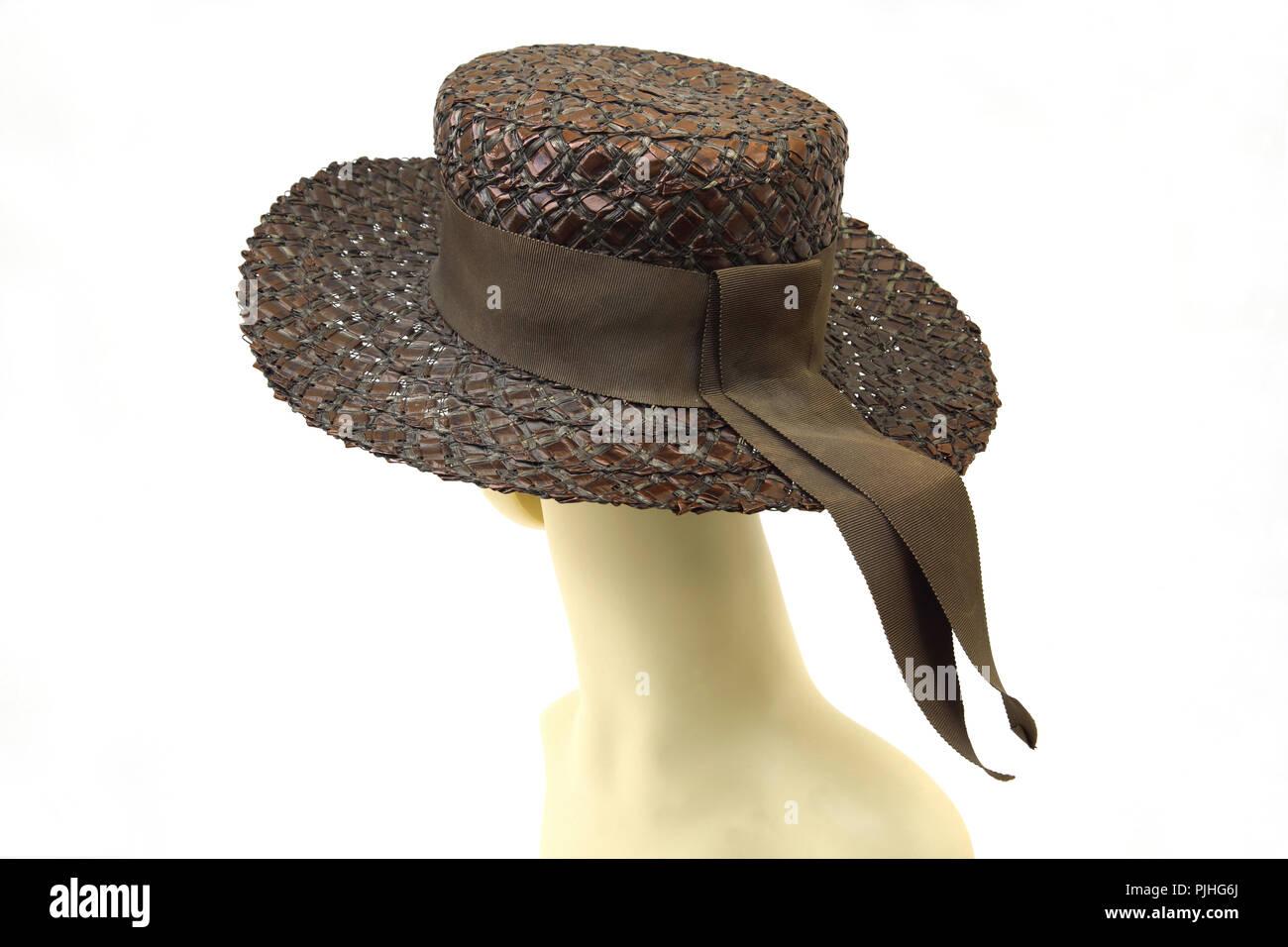 Ladys Hat Imágenes De Stock   Ladys Hat Fotos De Stock - Alamy 98ac09a690dc