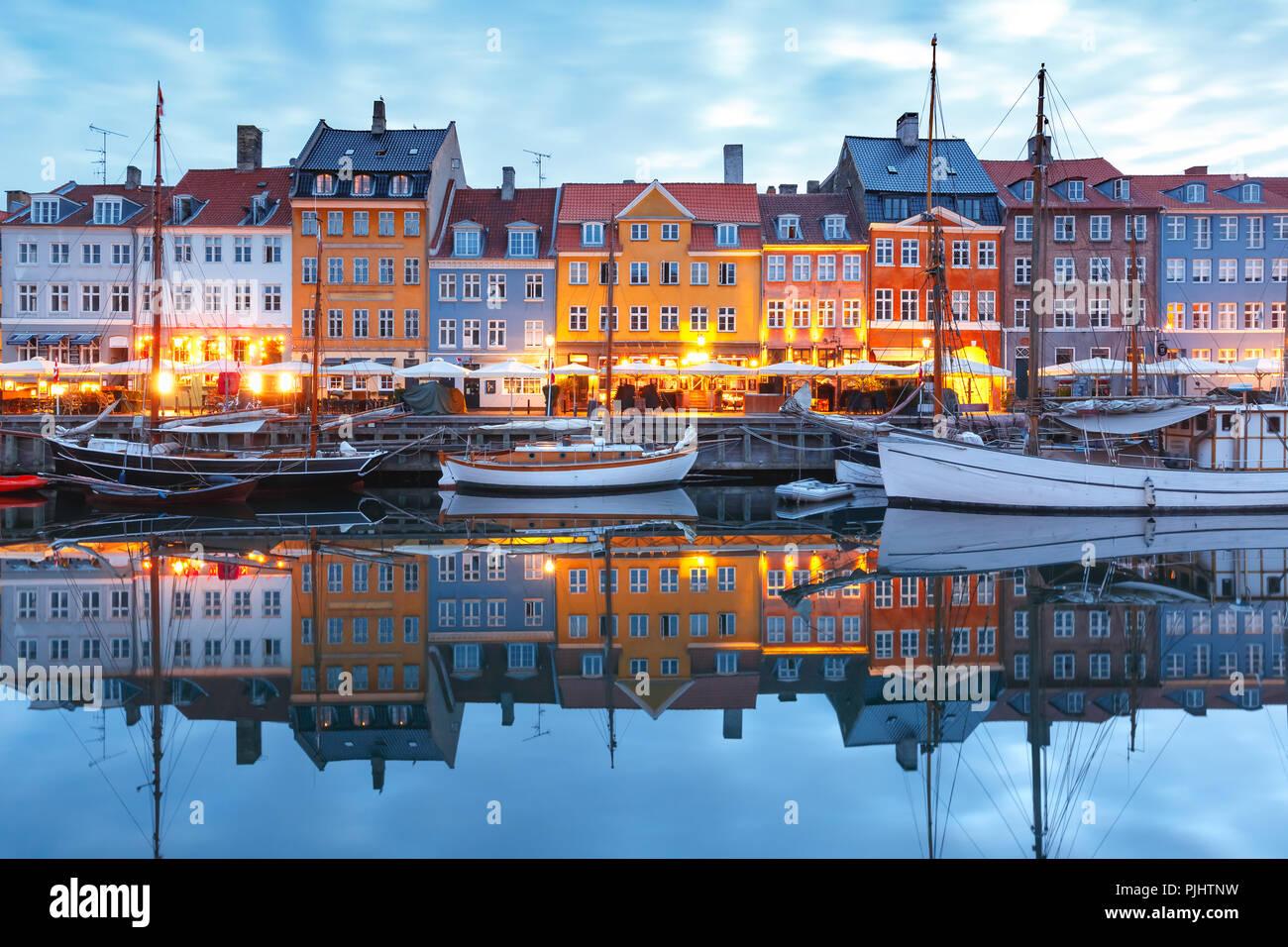 Panorama de Nyhavn en Copenhague, Dinamarca. Foto de stock