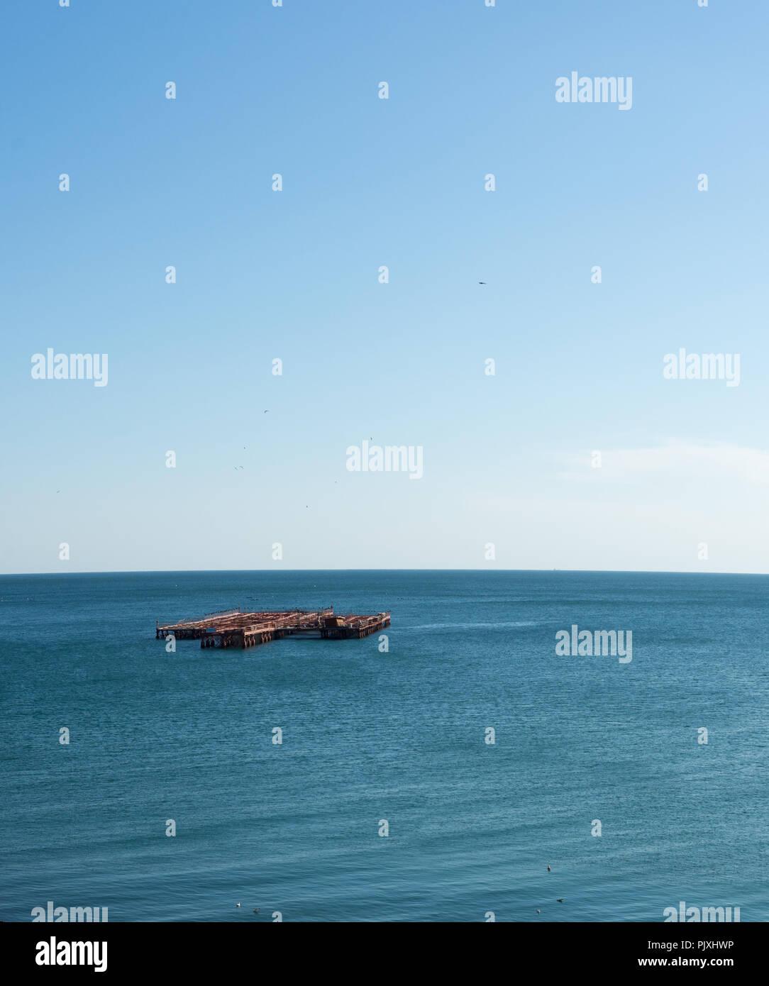Vista panorámica de la granja de mariscos en el Mar Negro, Bulgaria Imagen De Stock