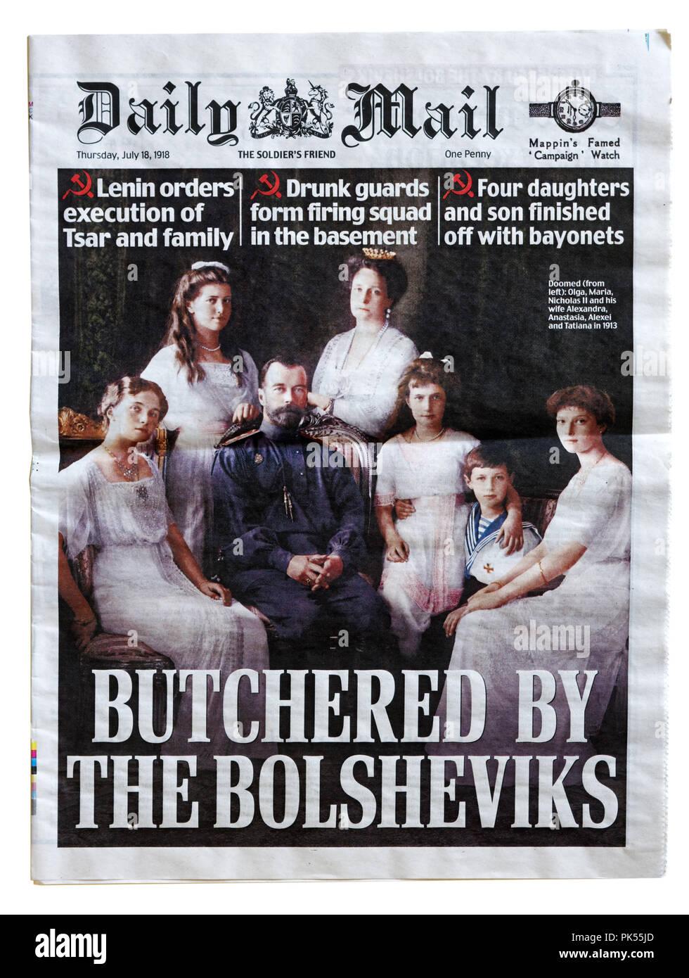 Portada del Daily Mail con el título masacrado por los bolcheviques, para conmemorar el aniversario de la ejecución de los Romanov Imagen De Stock