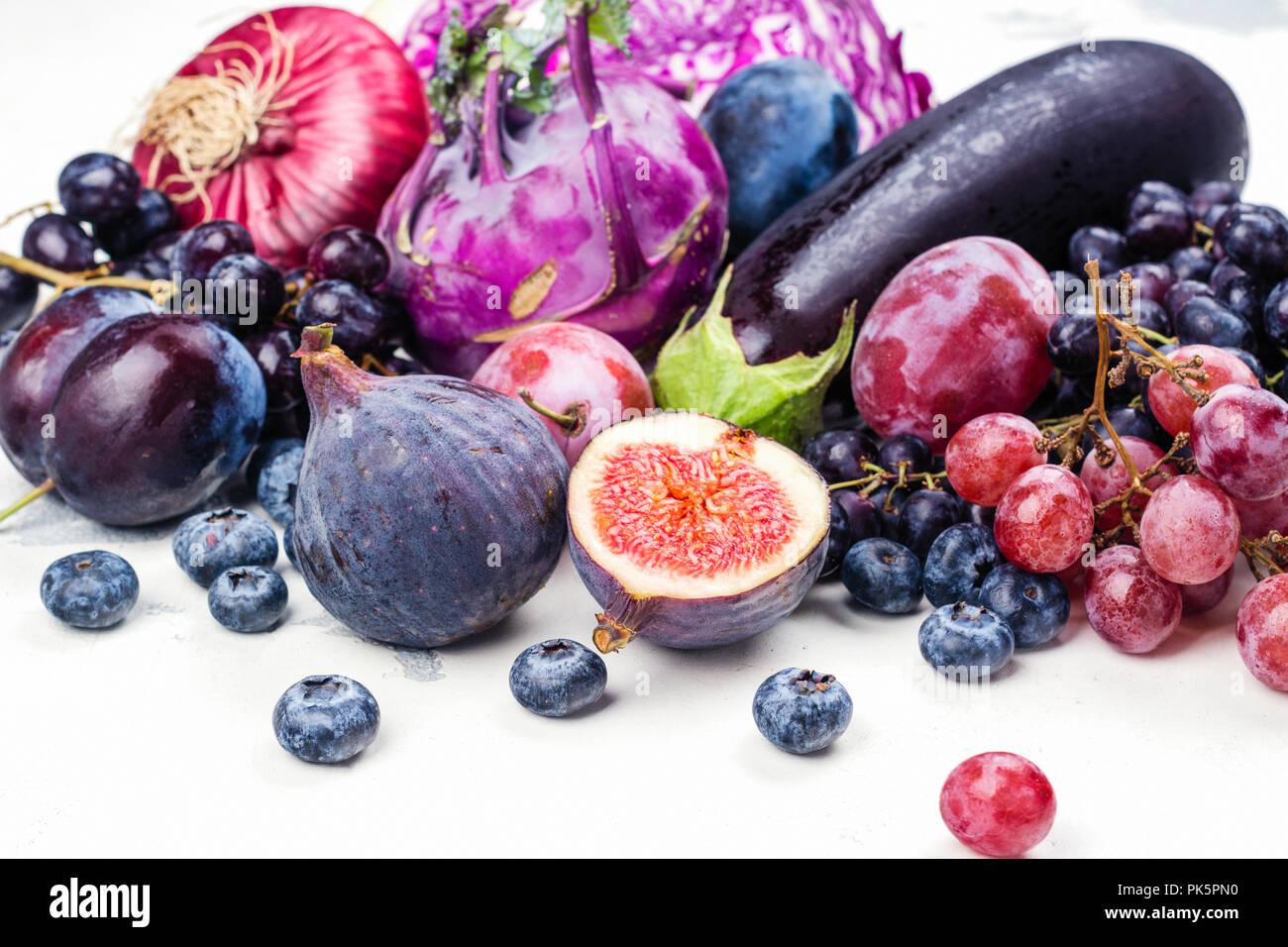 Selección de alimentos púrpura Foto de stock
