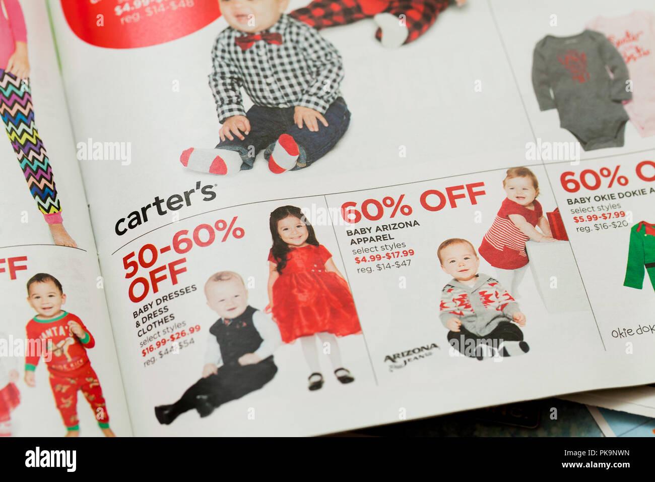 Ropa infantil publicidad semanal en mailer ad - EE.UU. Imagen De Stock