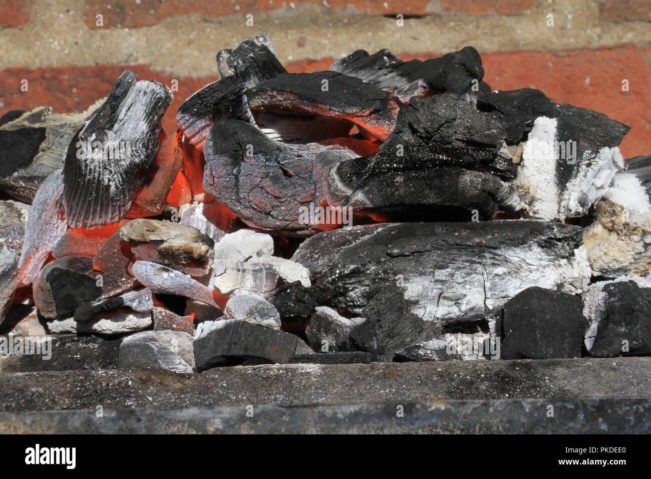 Carbón de barbacoa Foto de stock