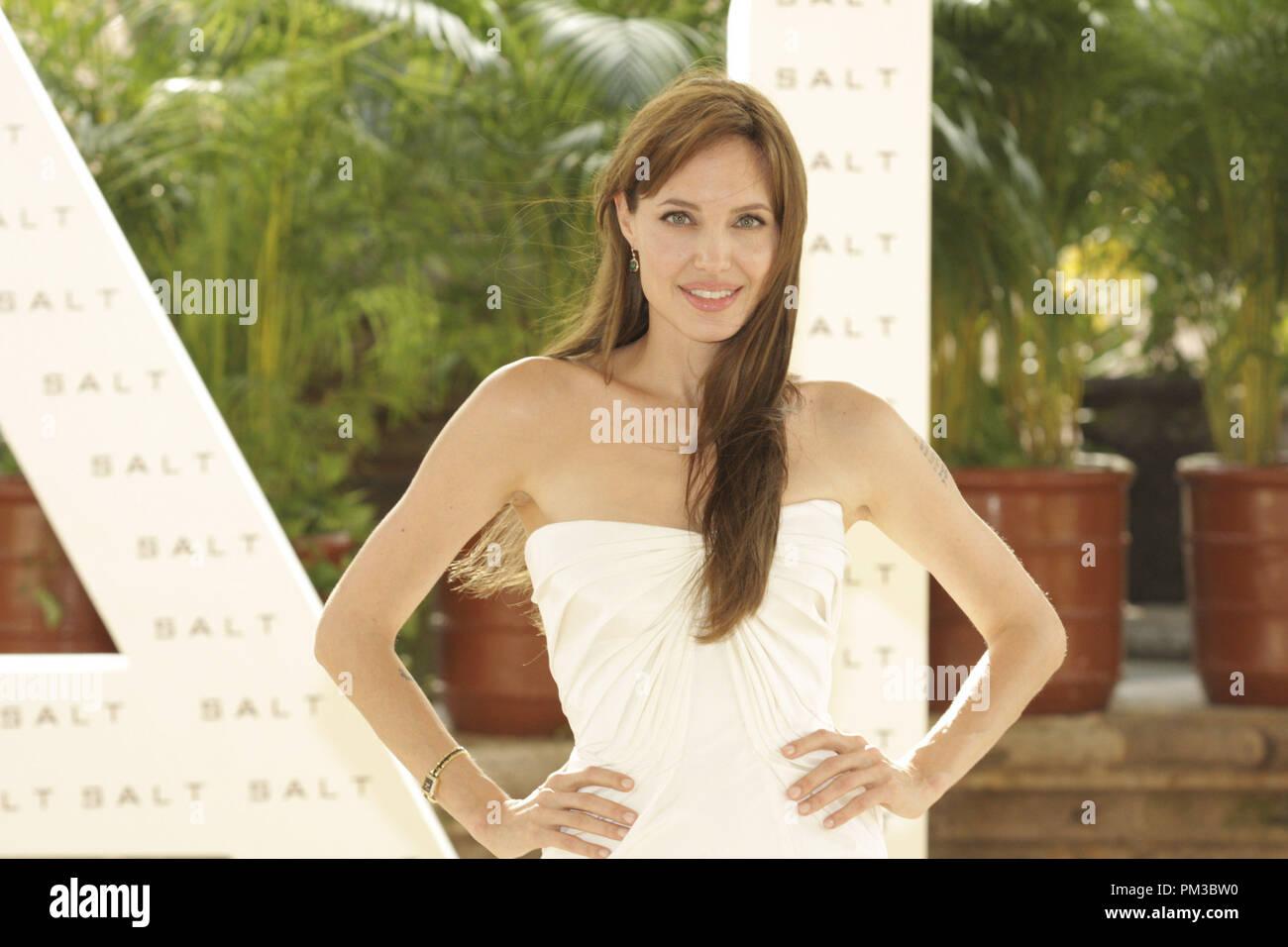Cancún, México - El 30 de junio de 2010: Angelina Jolie en Columbia Pictures Foto sal llamada retenida en el verano de Sony. Archivo de referencia # 30317_002CCI sólo para uso editorial - Todos los derechos reservados Imagen De Stock