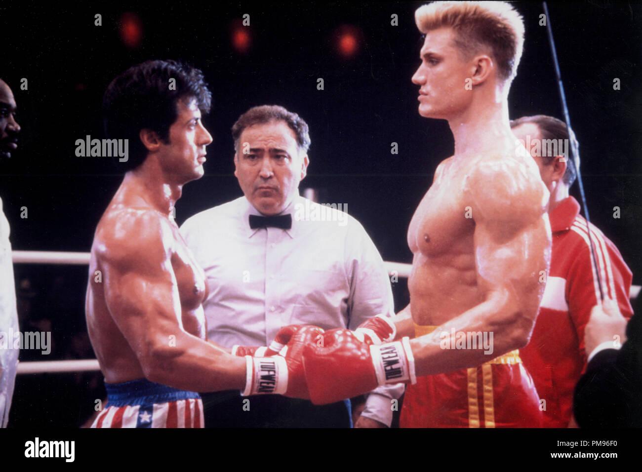 Studio publicidad todavía de 'Rocky IV' Sylvester Stallone, Dolph Lundgren © 1985 MGM/UA Todos Los Derechos Reservados Archivo de referencia # 31703100THA sólo para uso editorial Foto de stock