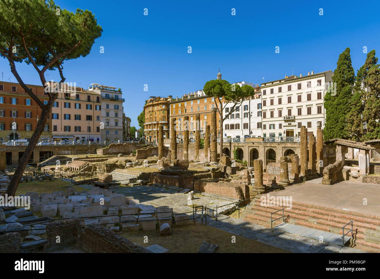 Largo di Torre Argentina, Roma, Italia Foto de stock