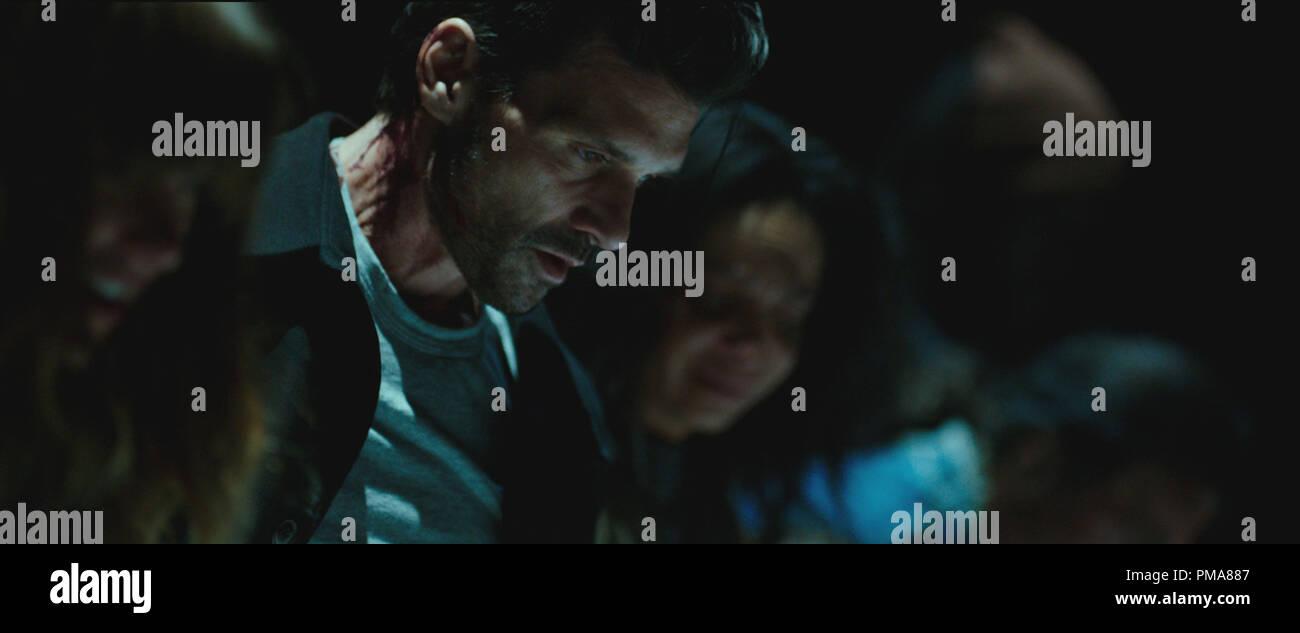 Leo (FRANK GRILLO) trata de proteger a sus compañeros en 'la purga: Anarquía' Imagen De Stock