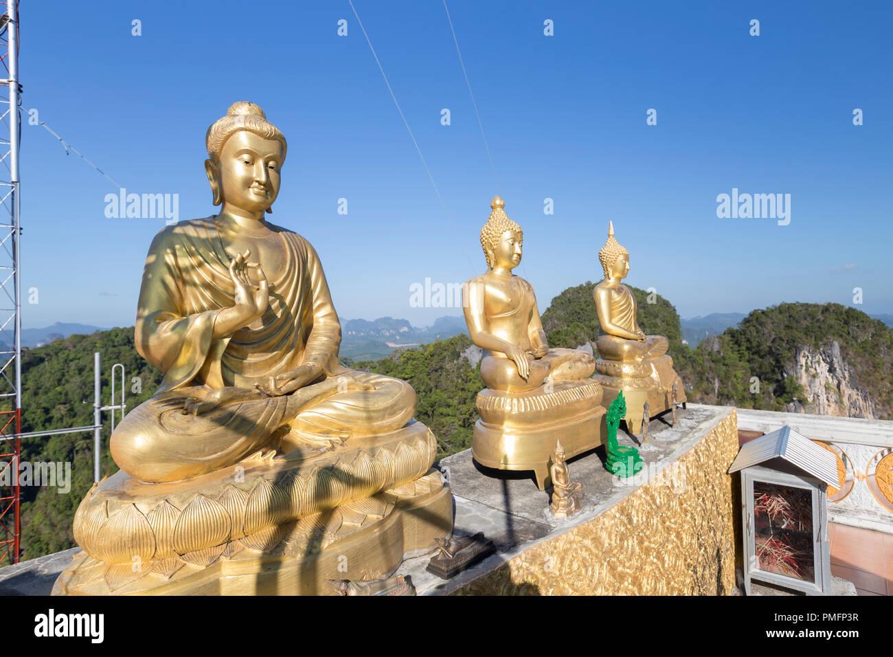 Wat Tham Seua o Templo Cueva del Tigre mountain top, Krabi, Tailandia Imagen De Stock