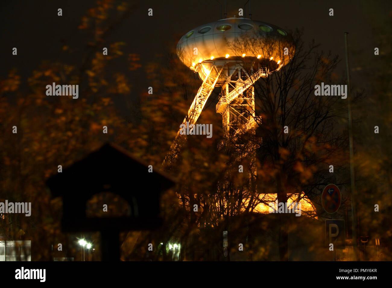 """El """"huevo Colani' es el rediseño de un futurista torre sinuosa de la antigua mina de carbón Ministro Achenbach en Lünen-Brambauer. El diseño provino del famoso diseñador Luigi Colani. Imagen De Stock"""