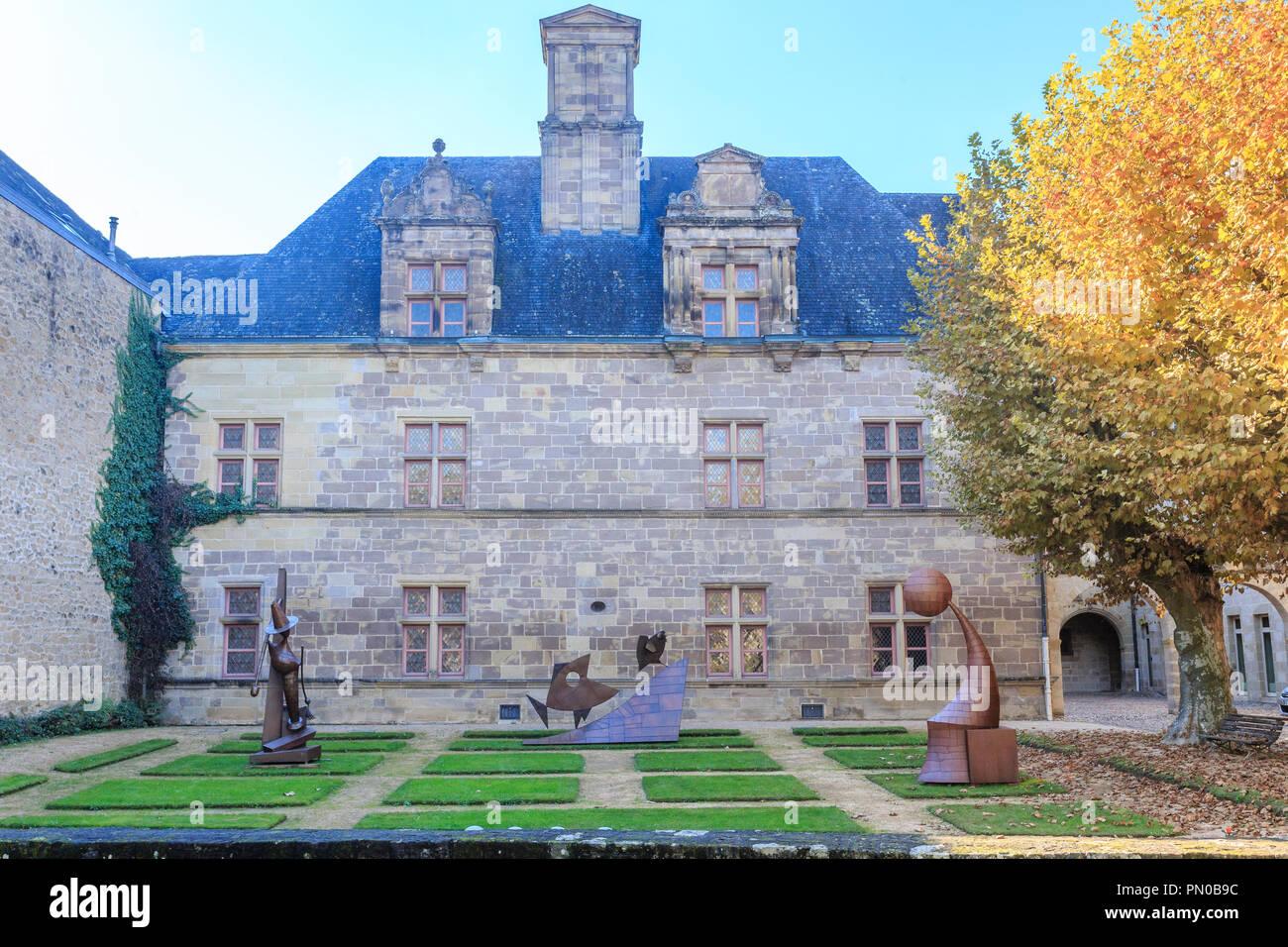 Francia, Correze, Brive la Gaillarde, Labenche, museo de arte e historia de la ciudad de Brive la Gaillarde, se instalaron en el hotel Labenche // Francia, Corrèz Foto de stock