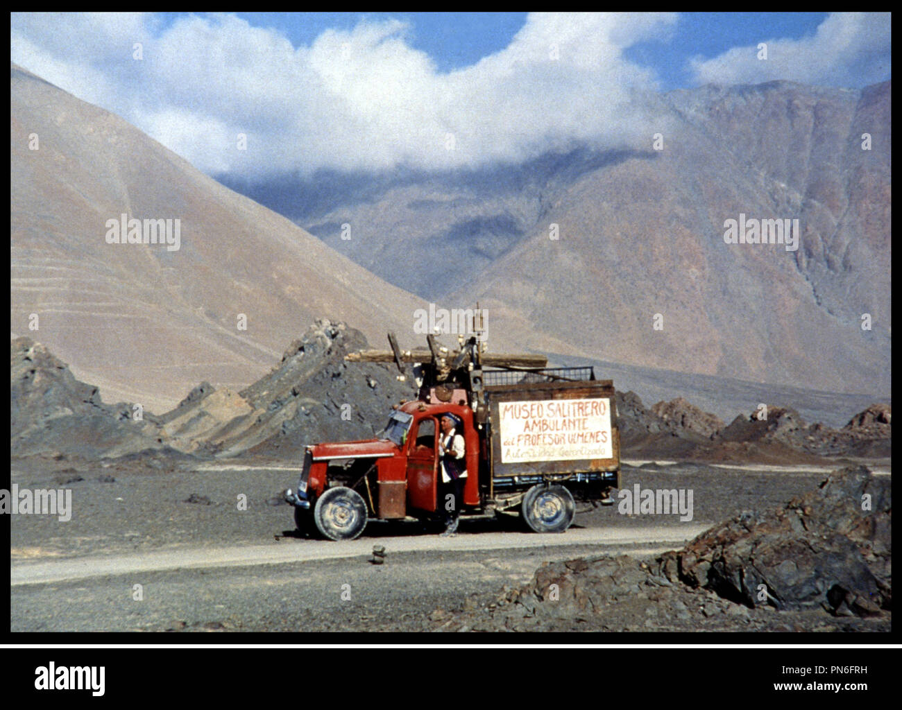 Prod DB © Cine XXL - Cartel - Paraiso Production / DR L'ENTHOUSIASME (el entusiasmo) de Ricardo P. Larraín 1998 ESP / CHILI / FRA desierto, montagnes, camion, road-movie Imagen De Stock