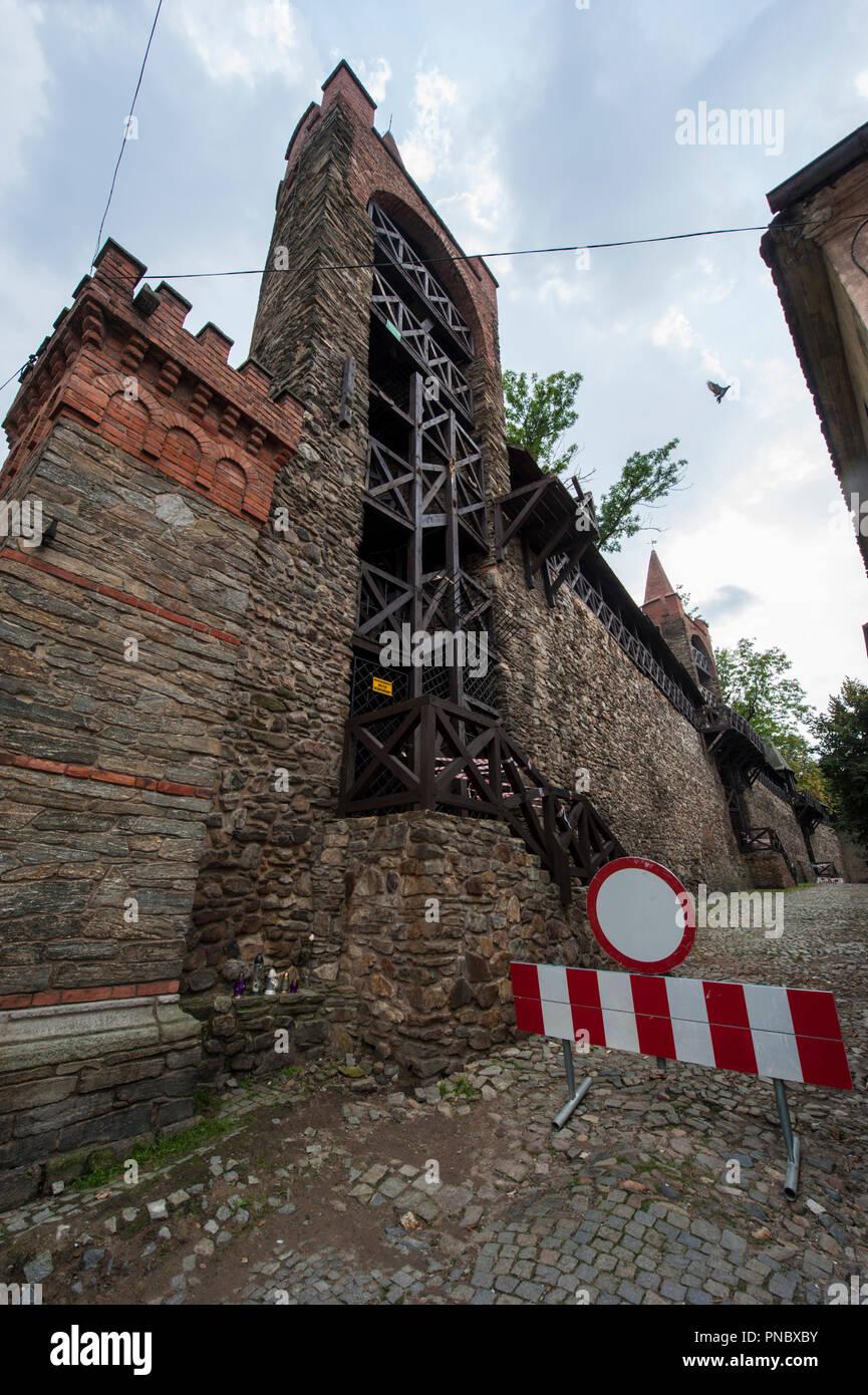 Las murallas de la ciudad en Paczkow localidad situada en el sudoeste de Polonia, de Europa. Foto de stock