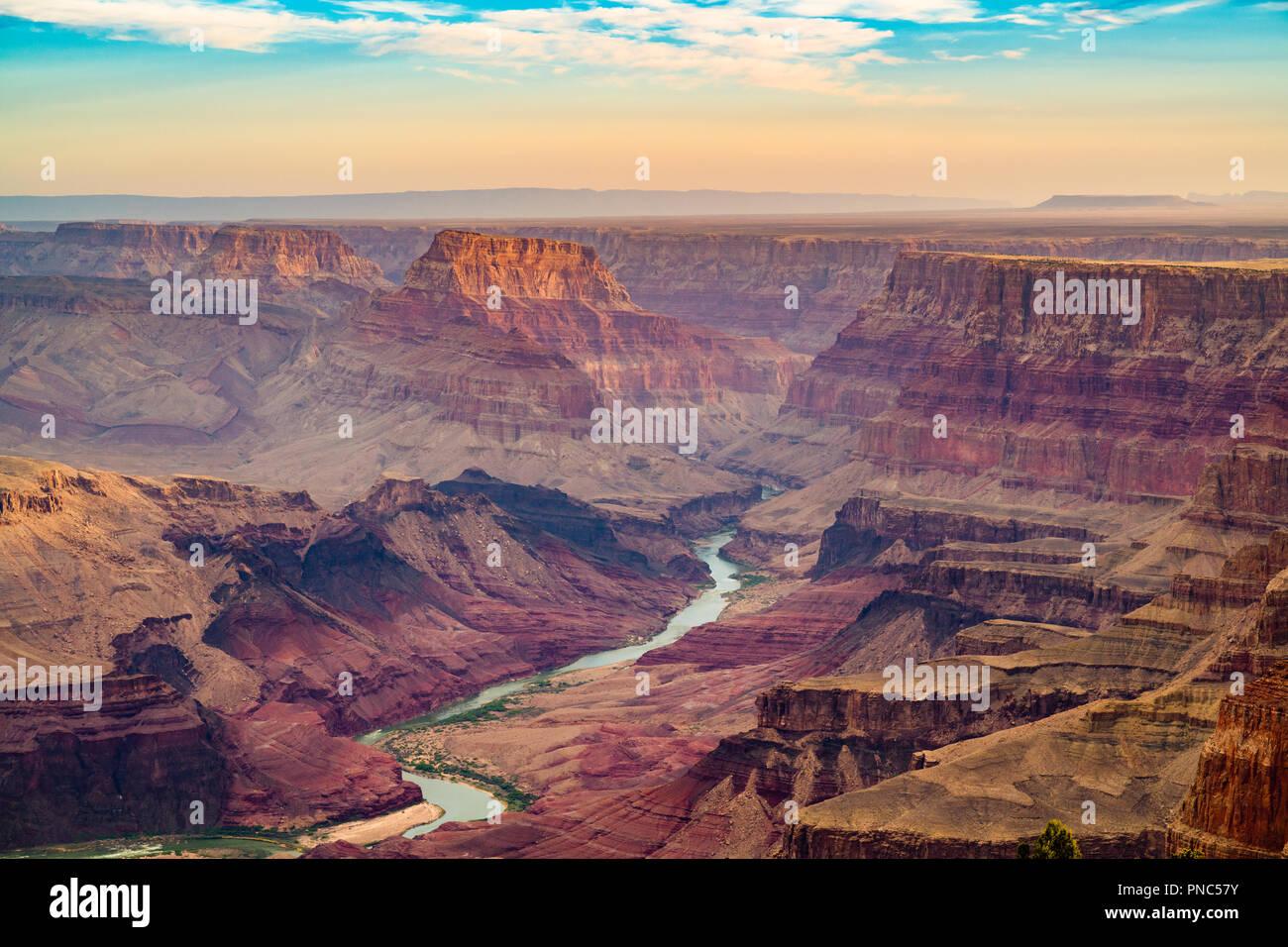 El Gran Cañón, Arizona, EE.UU. al amanecer del South Rim. Imagen De Stock